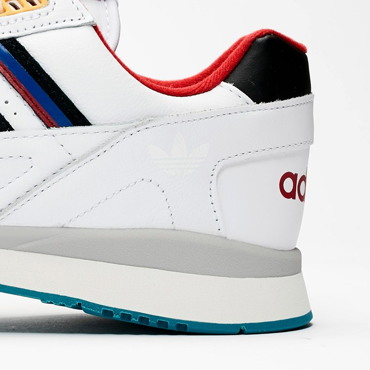 adidas Originals A.R Trainer - 8