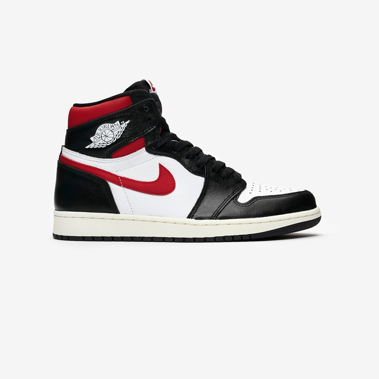 10566f988e443 Jordan Brand Air Jordan 1 Retro High OG - 555088-061 ...