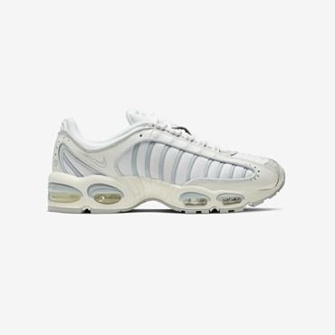 5e506c4cf4569 Sneakersnstuff | sneakers & streetwear online since 1999