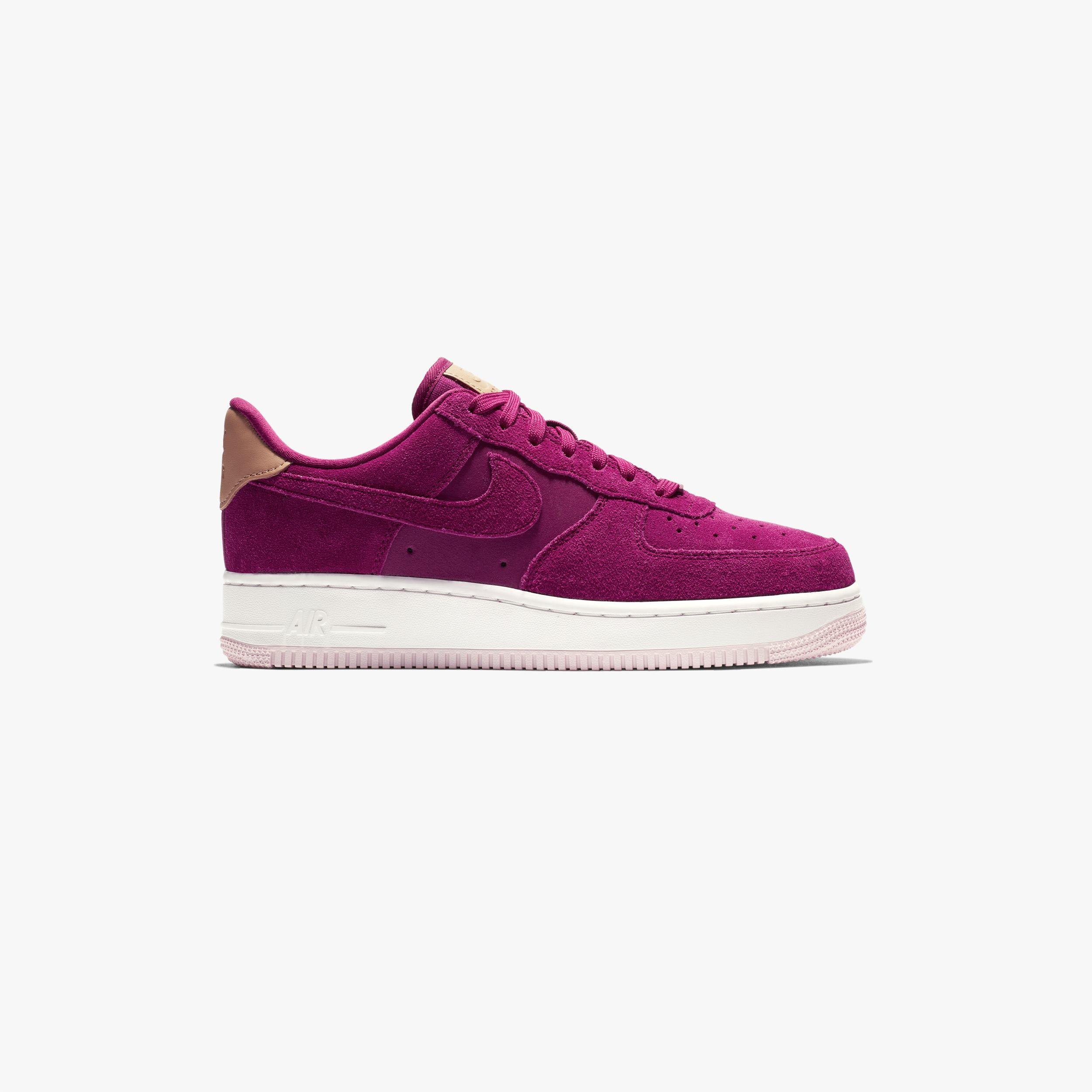 Nike Wmns Air Force 1 07 Premium 896185 602