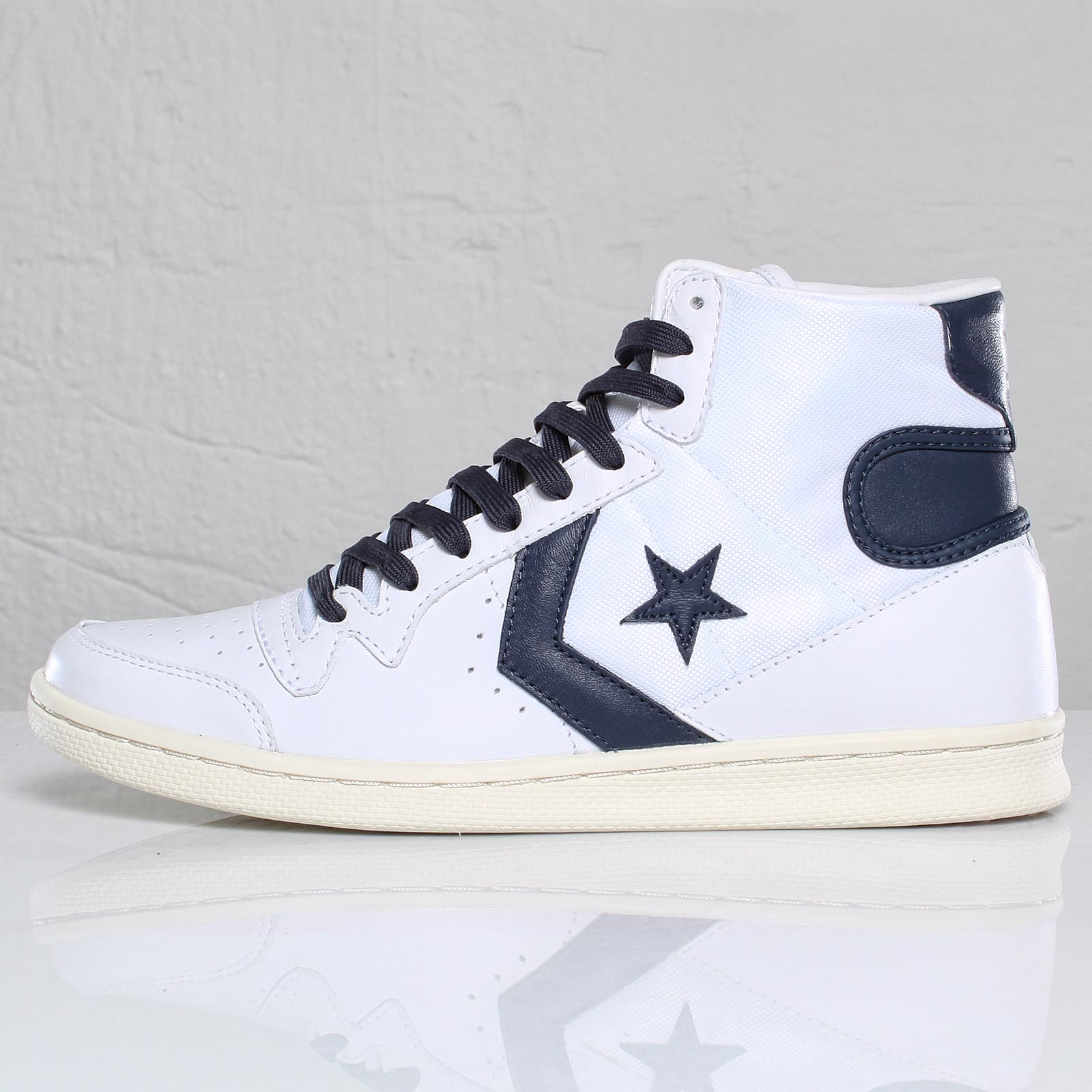 793c3644b3fe Converse Fast Break Pro Leather Mid - 101296 - Sneakersnstuff ...