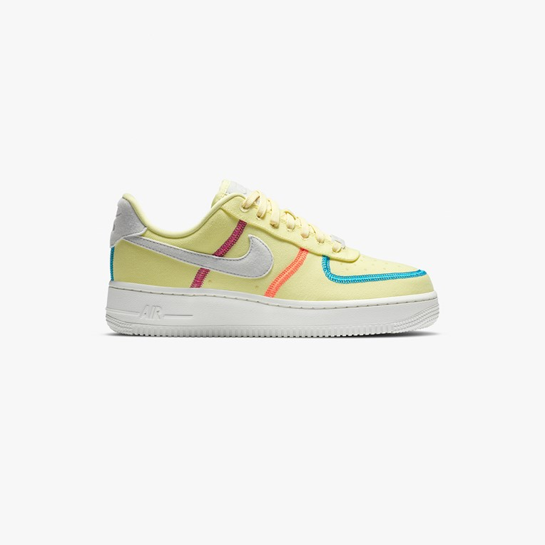 Nike Sportswear Women's Air Force 1 '07 LX