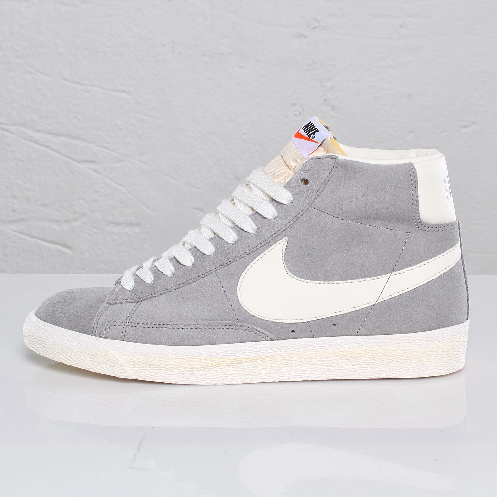 Nike Blazer Mid Premium - 101530 - Sneakersnstuff  0108b2fc744