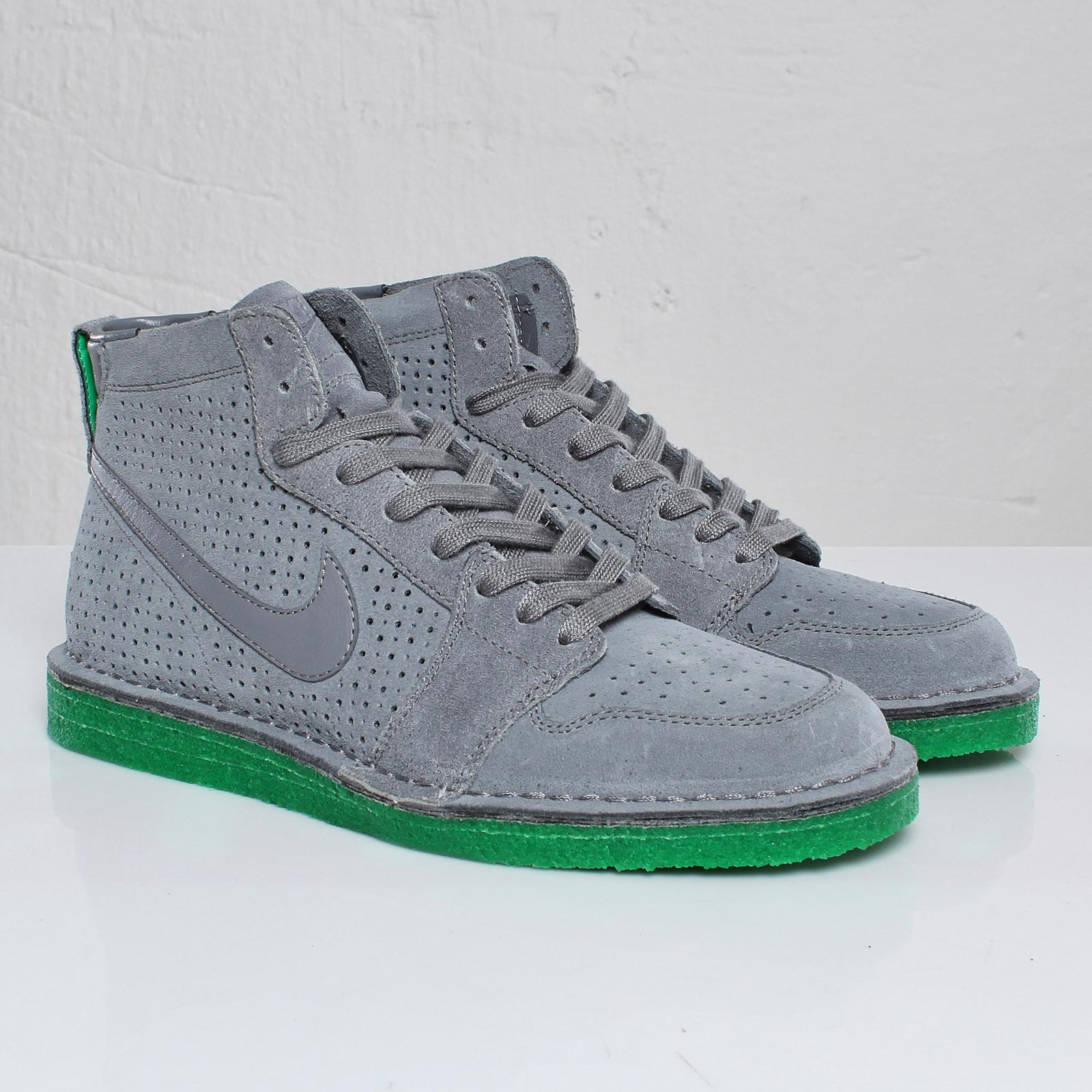 Nike Air Royal Mid SO TZ - 101648 - Sneakersnstuff  c455cf131