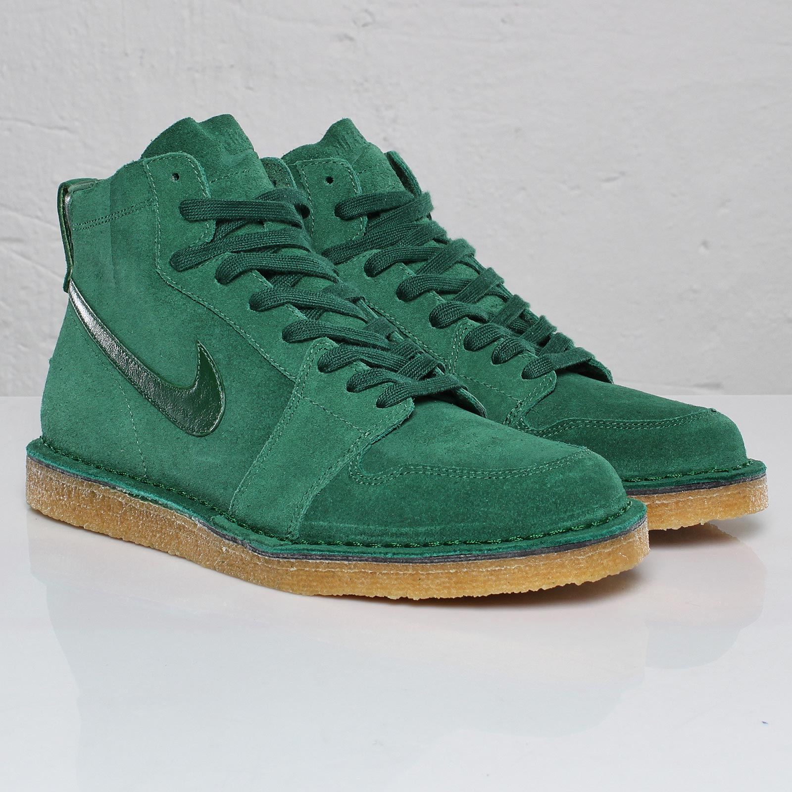 Nike Air Royal Mid SO TZ - 102422 - Sneakersnstuff  0c06bb830