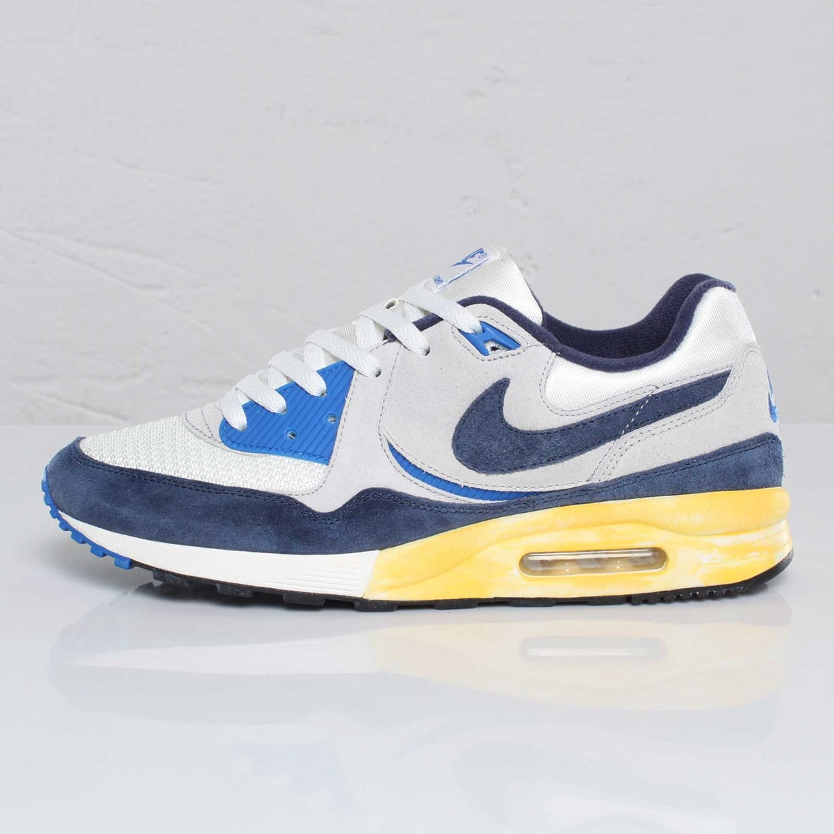 Nike Air Max Light VNTG QS 102806 Sneakersnstuff