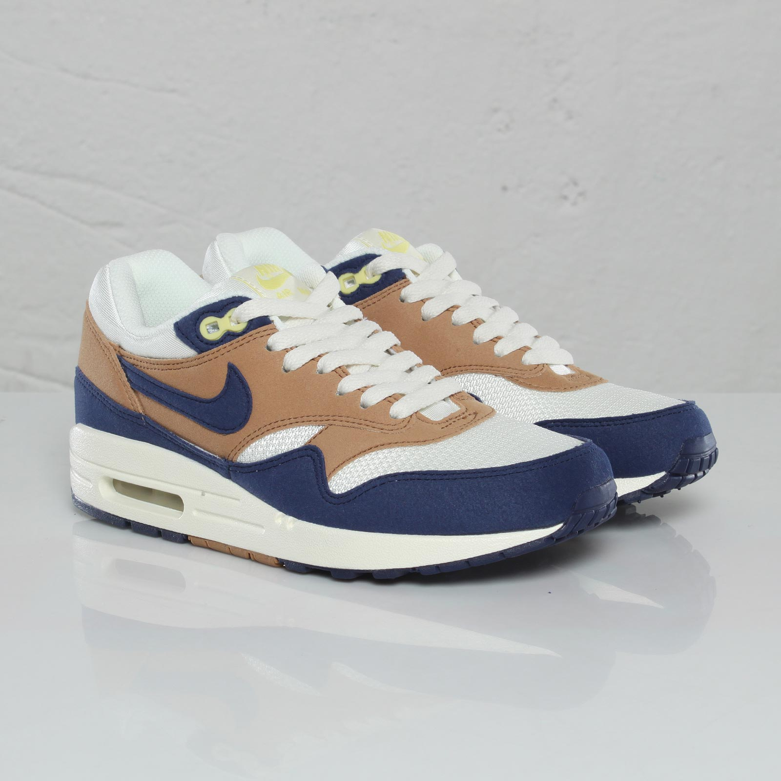best cheap c52f3 d43d4 Nike Wmns Air Max 1