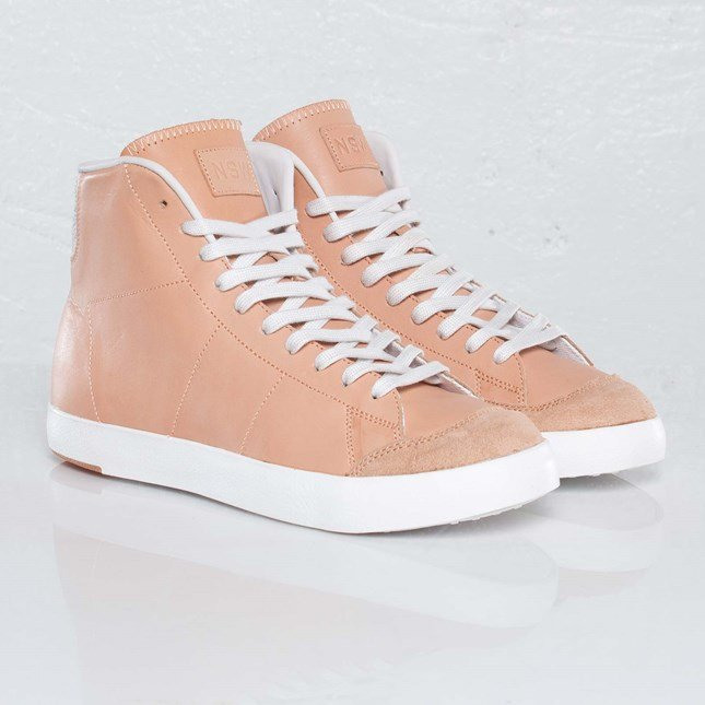 Nike All Court Mid 3 Premium NSW NRG
