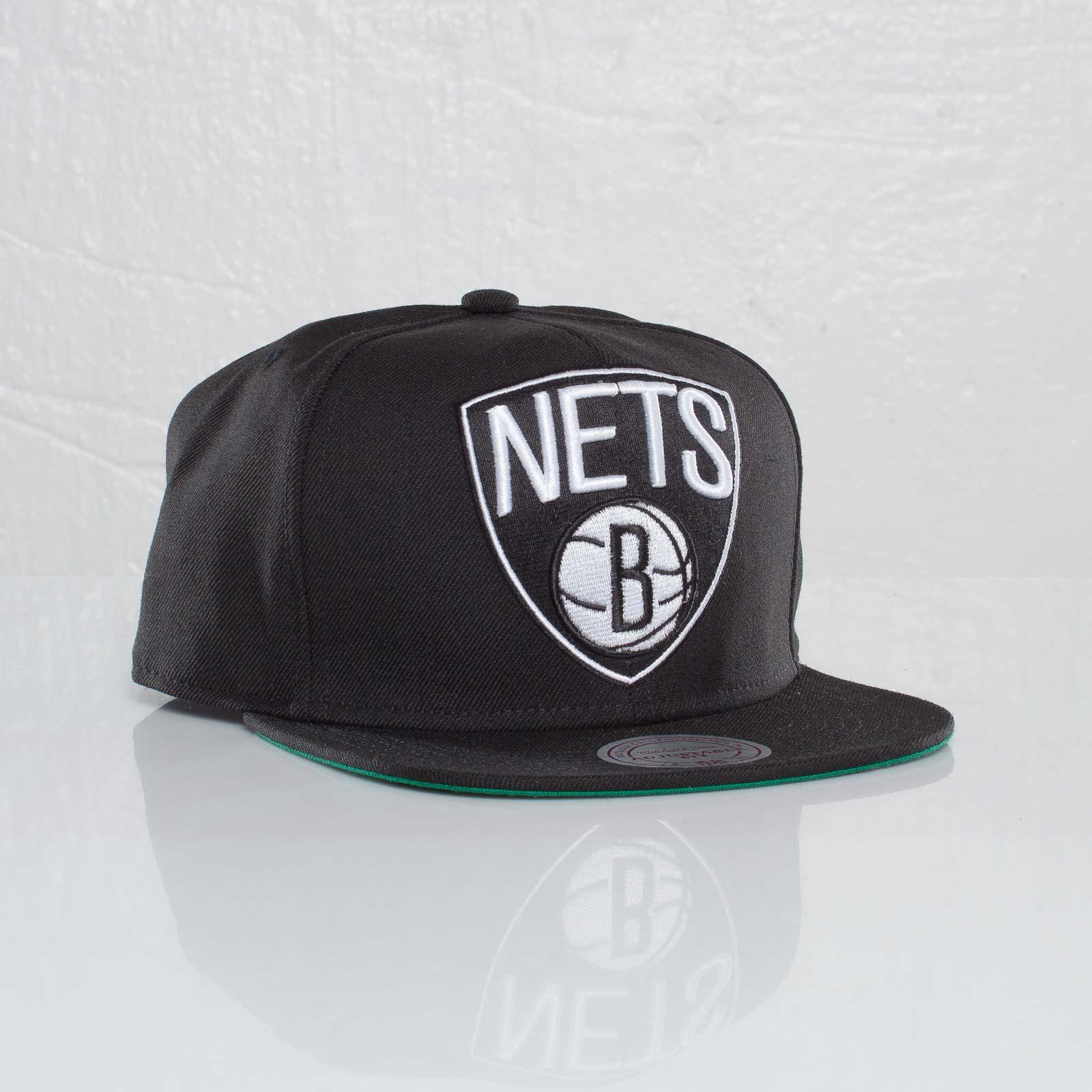 premium selection 1ba96 c008f Mitchell   Ness Brooklyn Nets NBA XL Logo Snapback
