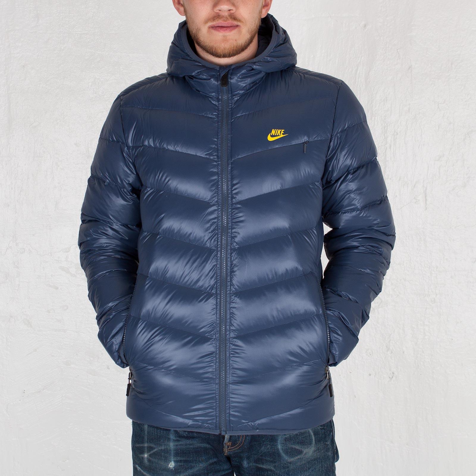 Nike Cascade 700 Down Hooded Jacket - 111230 - Sneakersnstuff ... b985b5c84e54