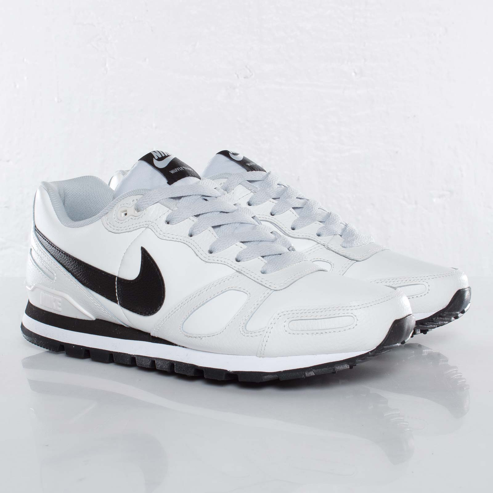 official photos fbd79 99ba5 Nike Air Waffle Trainer Leather - 454395-114 - Sneakersnstuff ...
