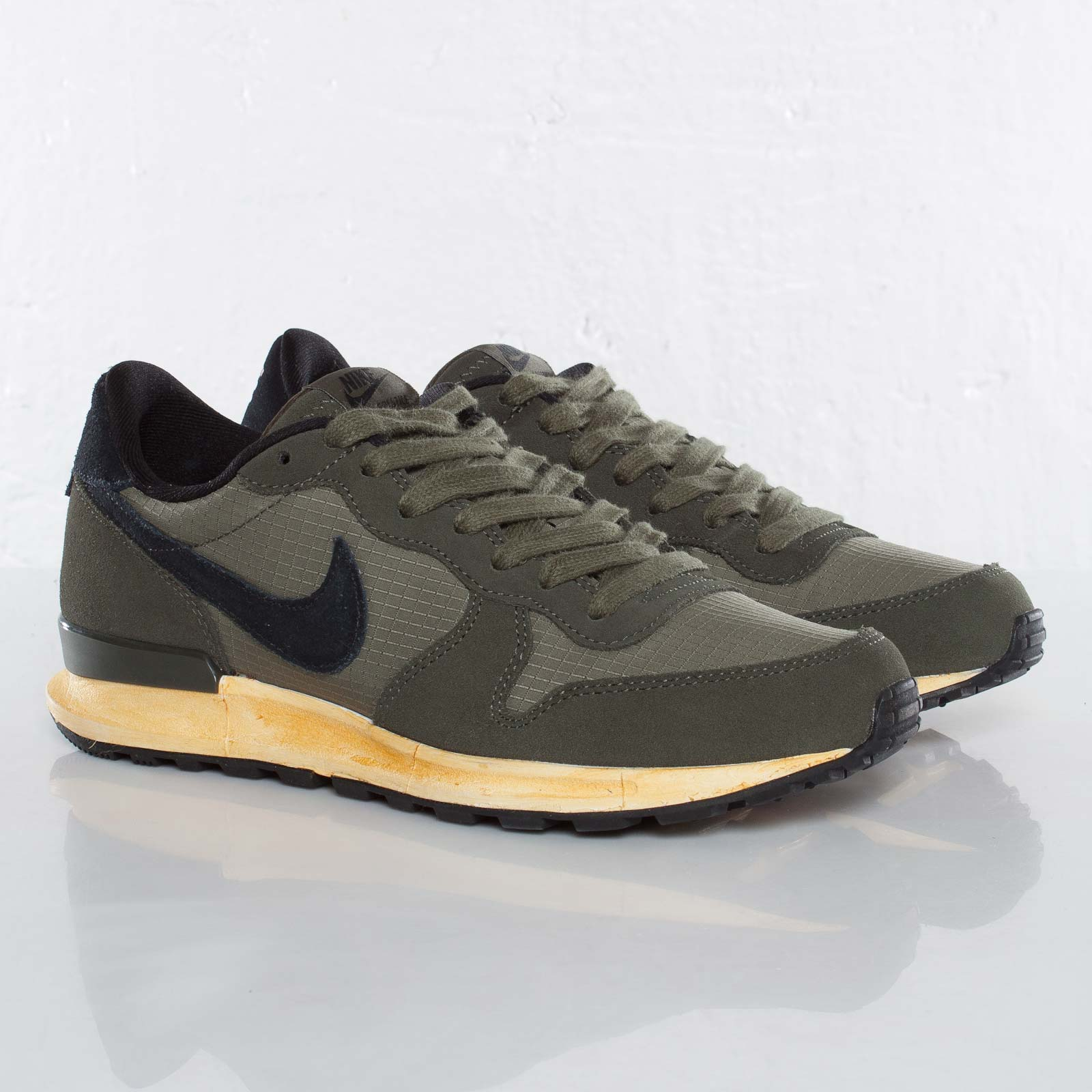 1b7be03c31eb Nike Air Solstice - 525260-201 - Sneakersnstuff