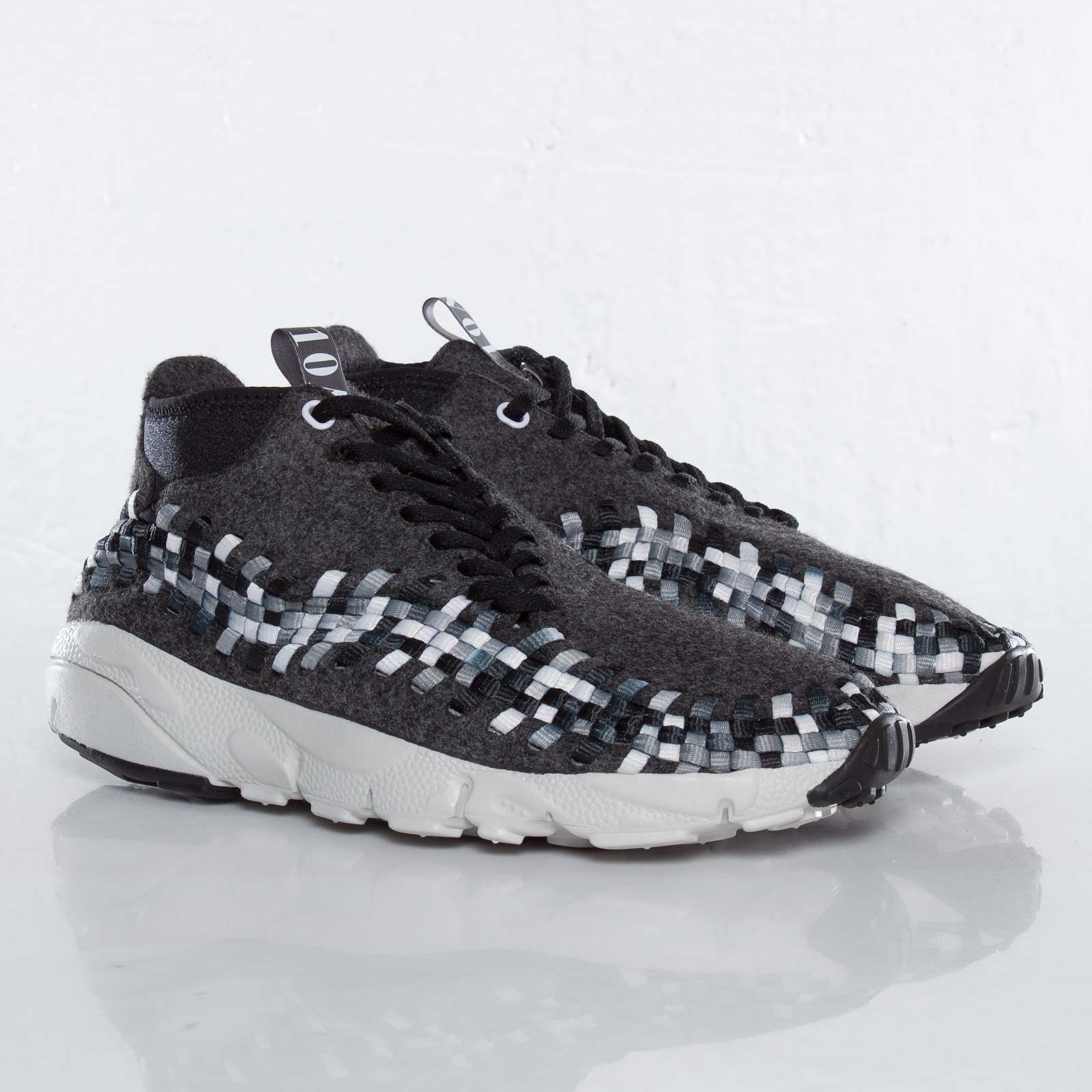 outlet store f40b6 b57a7 Nike Air Footscape Woven Chukka