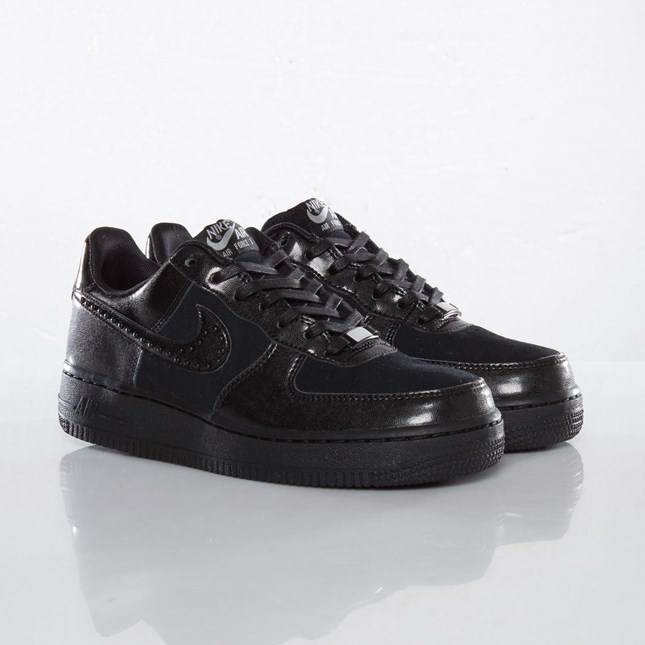 Nike Wmns Air Force 1 ´07 LE QS