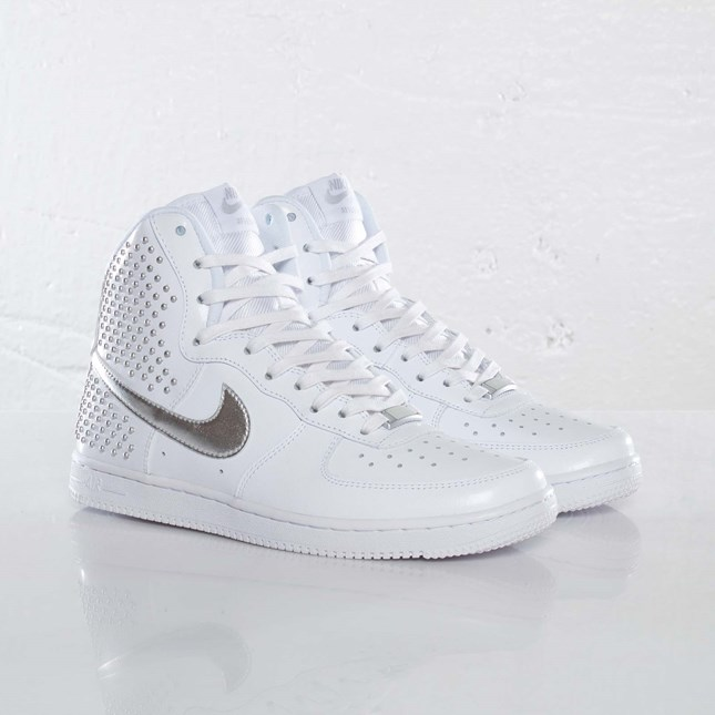 Nike Wmns Air Force 1 Light Hi QS