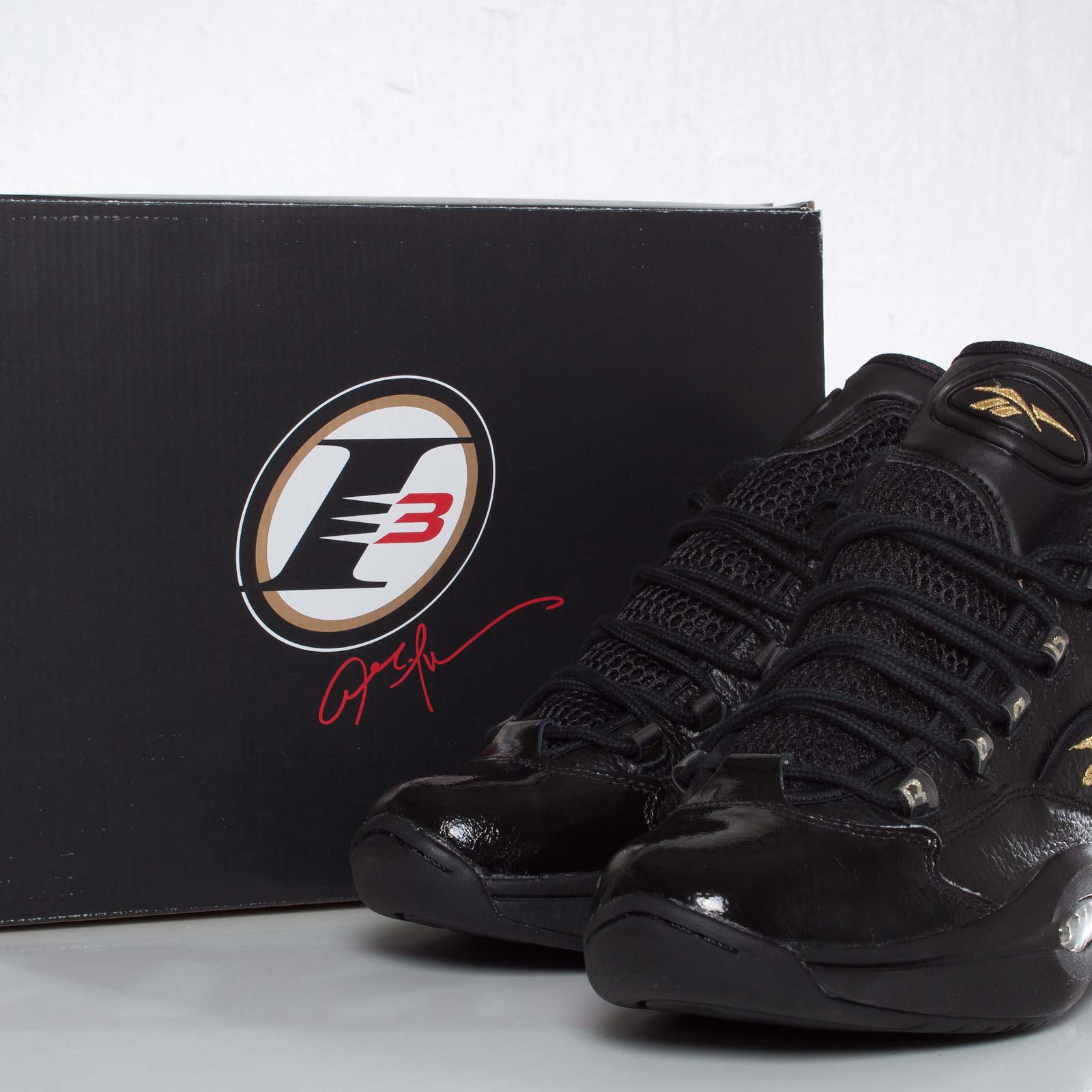 Reebok Question Mid - V48294 - Sneakersnstuff  6db4680ae