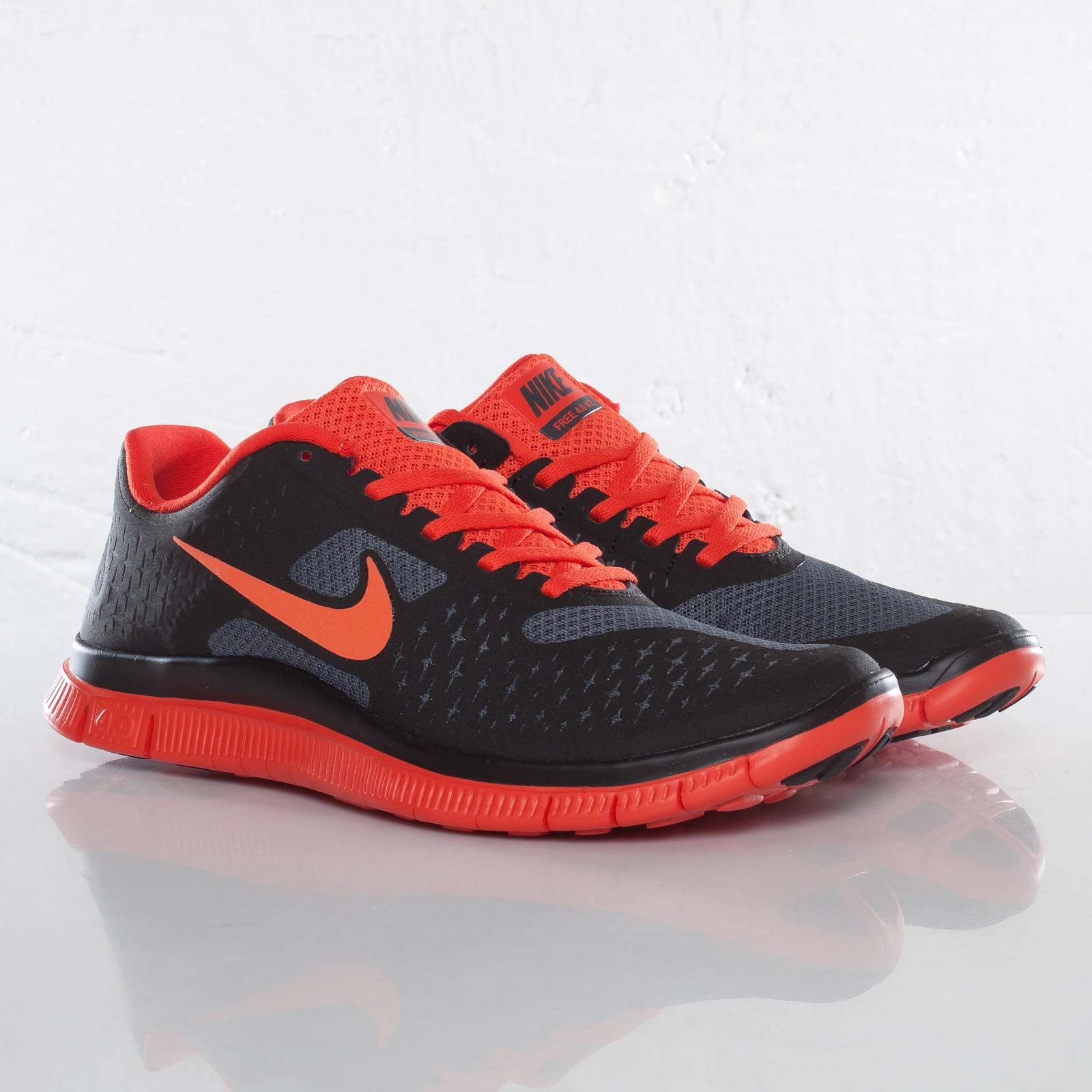 classic fit c9ca7 1e140 Nike Free 4.0 V2 - 511472-010 - Sneakersnstuff | sneakers ...