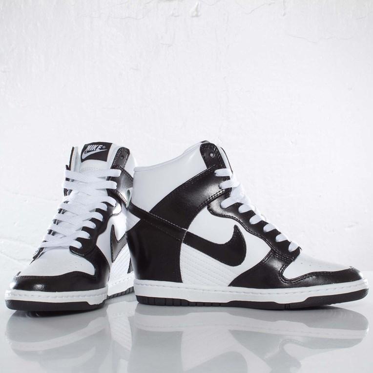 528899 008 WMNS Nike Dunk SKY HI