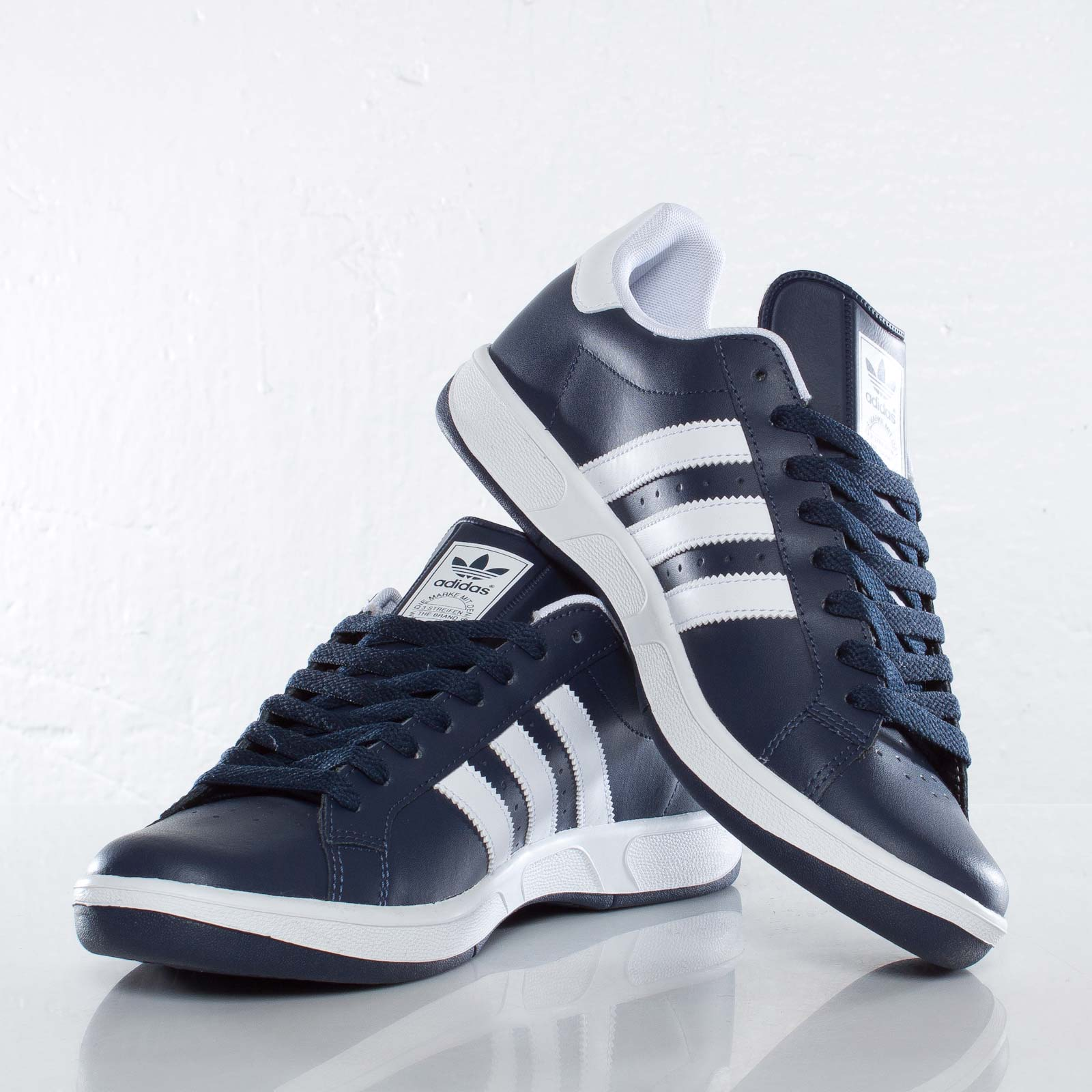 low priced 206bf 75ca4 adidas Grand Prix - G59936 - Sneakersnstuff   sneakers   streetwear online  since 1999