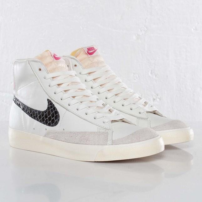 Aislante pesadilla dirección  Nike Blazer Mid ´77 Premium Vintage - 537327-104 - Sneakersnstuff |  sneakers & streetwear online since 1999