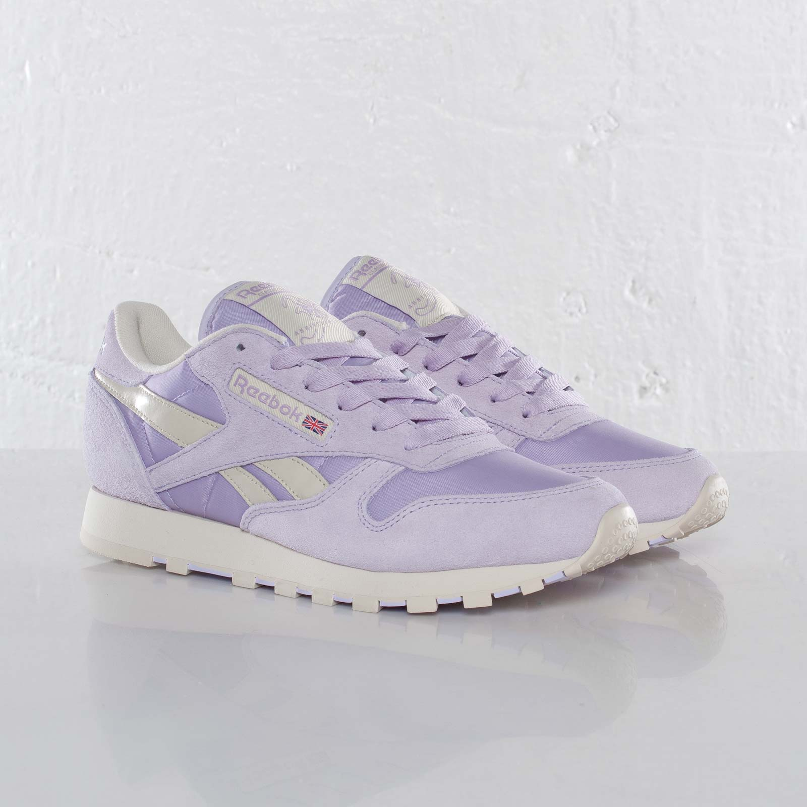 Reebok Classic Leather Pastel - V45287 - Sneakersnstuff  2c32258b0