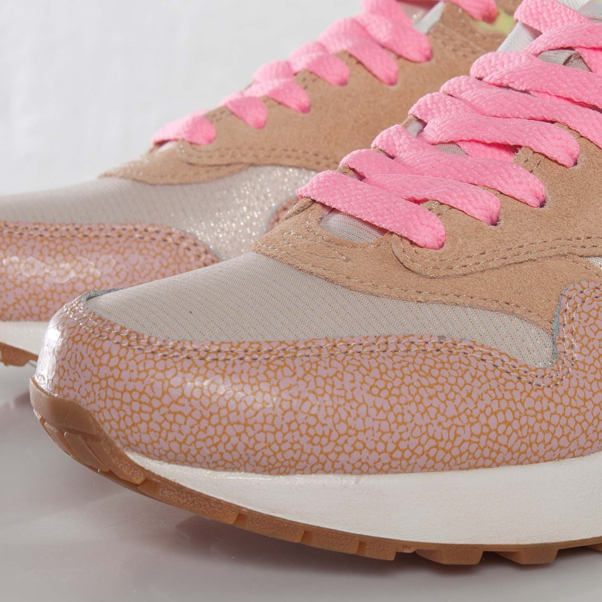 best sneakers 39be0 3c706 Nike Wmns Air Max 1 Premium - 454746-201 - Sneakersnstuff   sneakers    streetwear online since 1999