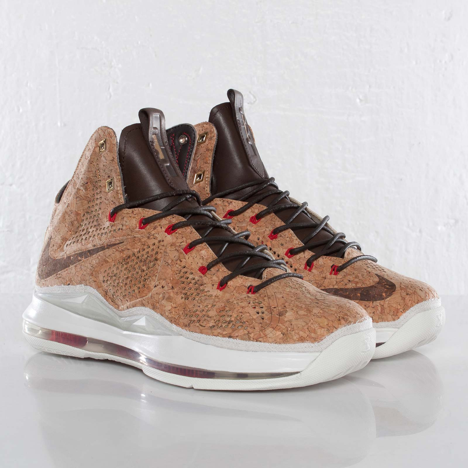best service 31aaf eaa2a Nike Lebron X EXT Cork QS