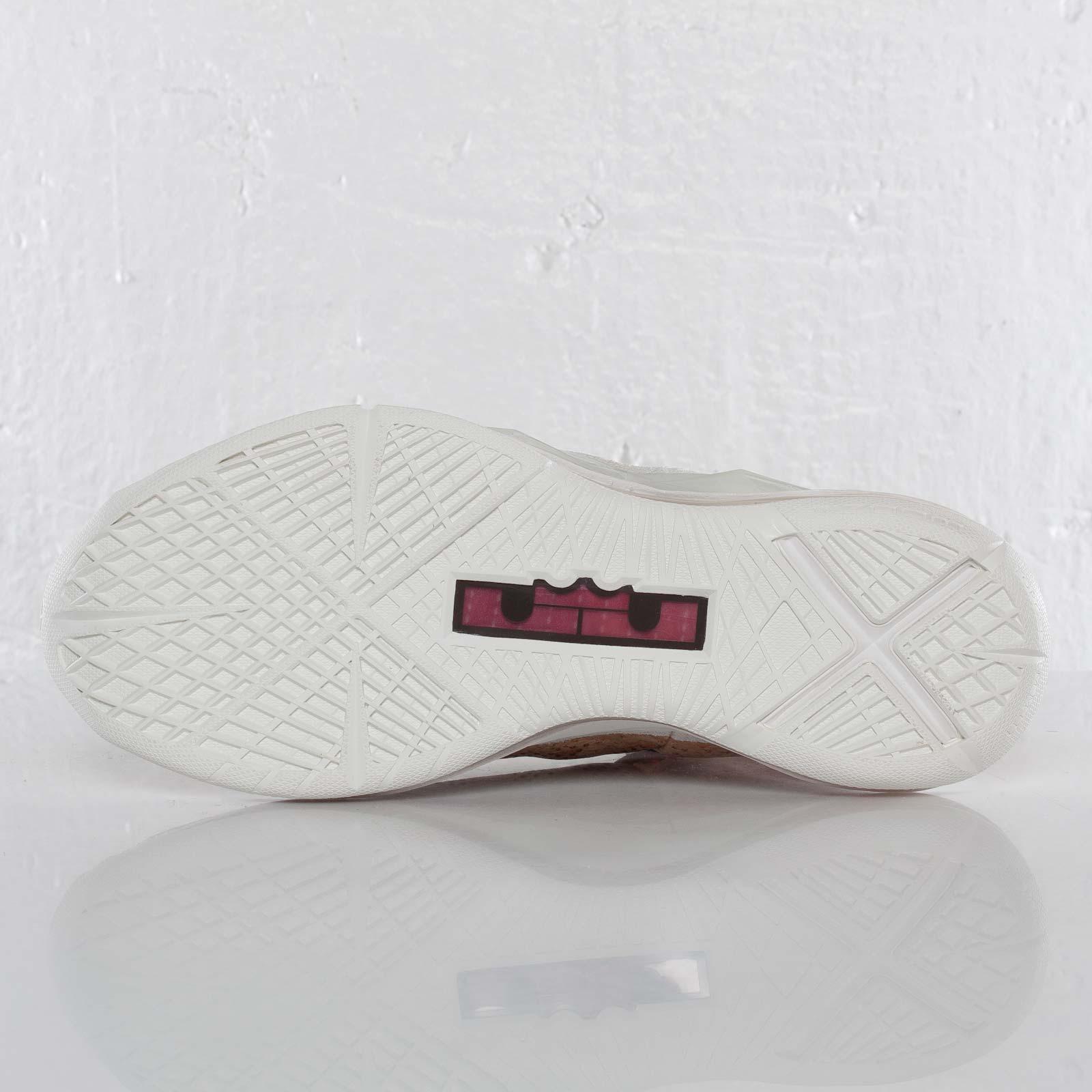 premium selection 81eba 6925a Nike Lebron X EXT Cork QS - 580890-200 - Sneakersnstuff   sneakers    streetwear online since 1999