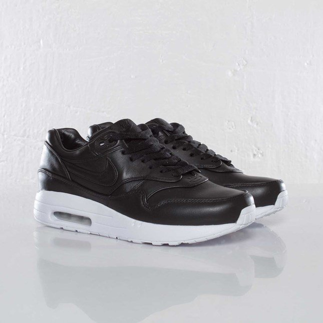 Nike Wmns Air Maxim 1 SP