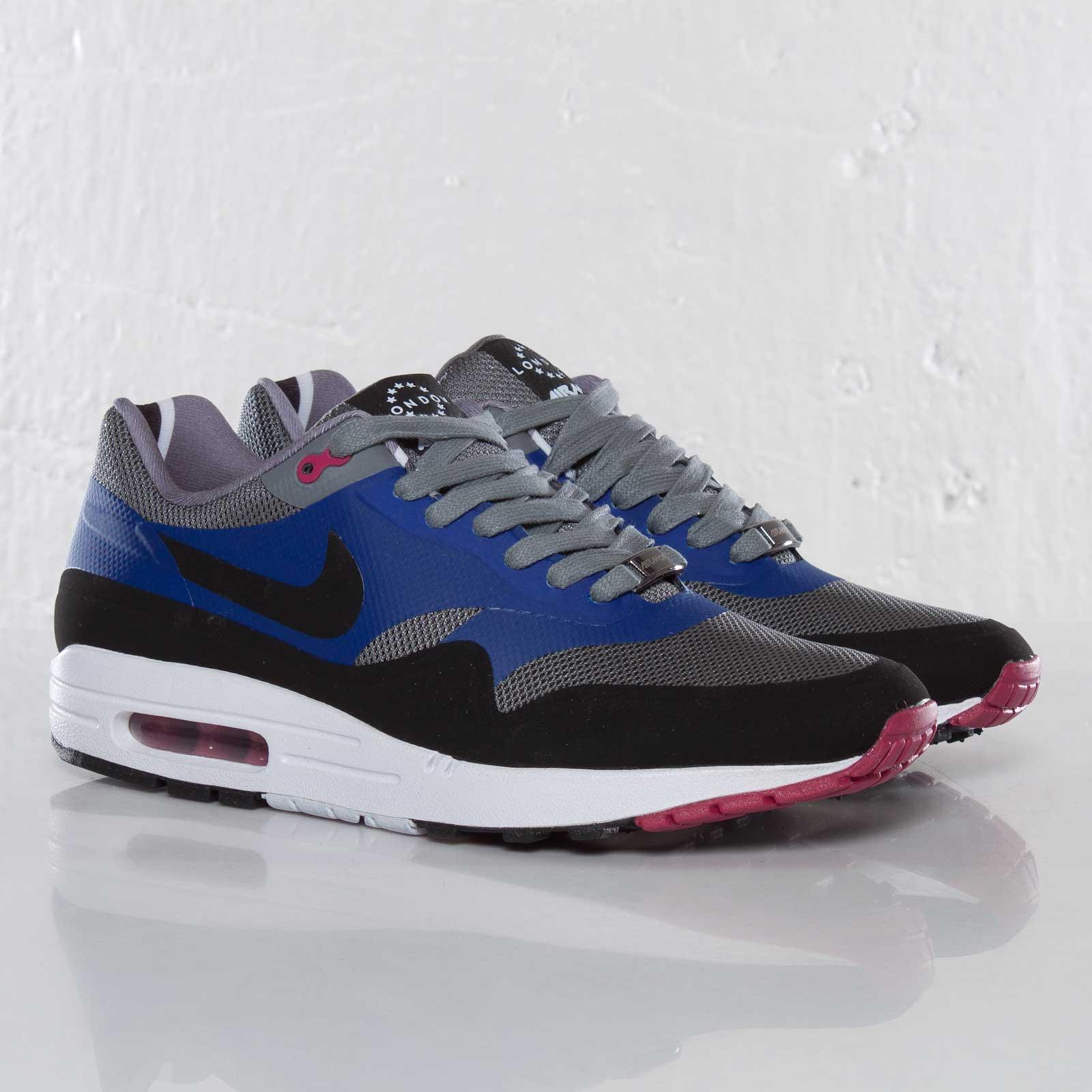 NIKE Shoes Nike Air Max 1 Qs London EnglandFärg: Svart Nike Air Max 1 Qs London England Color: Black
