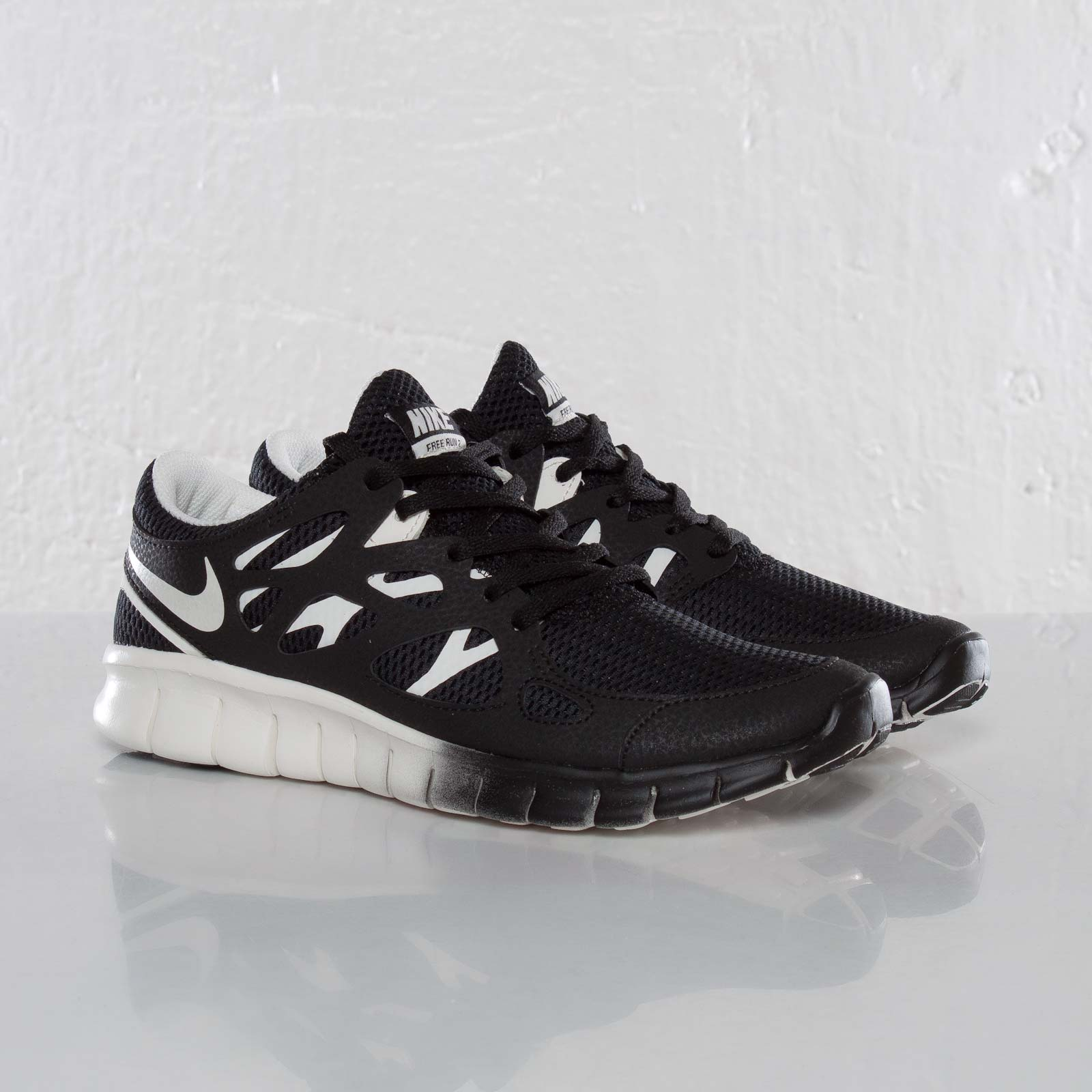 79407c6bb144 Nike Wmns Free Run 2 EXT - 536746-004 - Sneakersnstuff