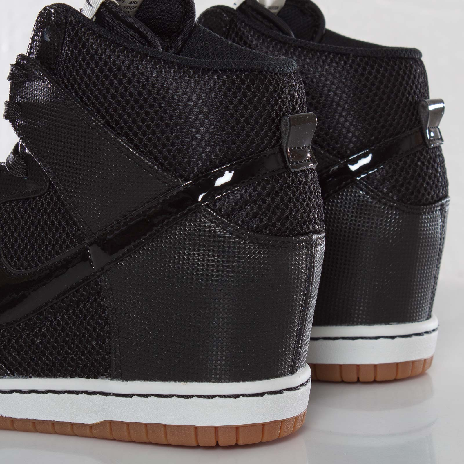 d37778779421 Nike Wmns Dunk Sky Hi Mesh - 579763-001 - Sneakersnstuff