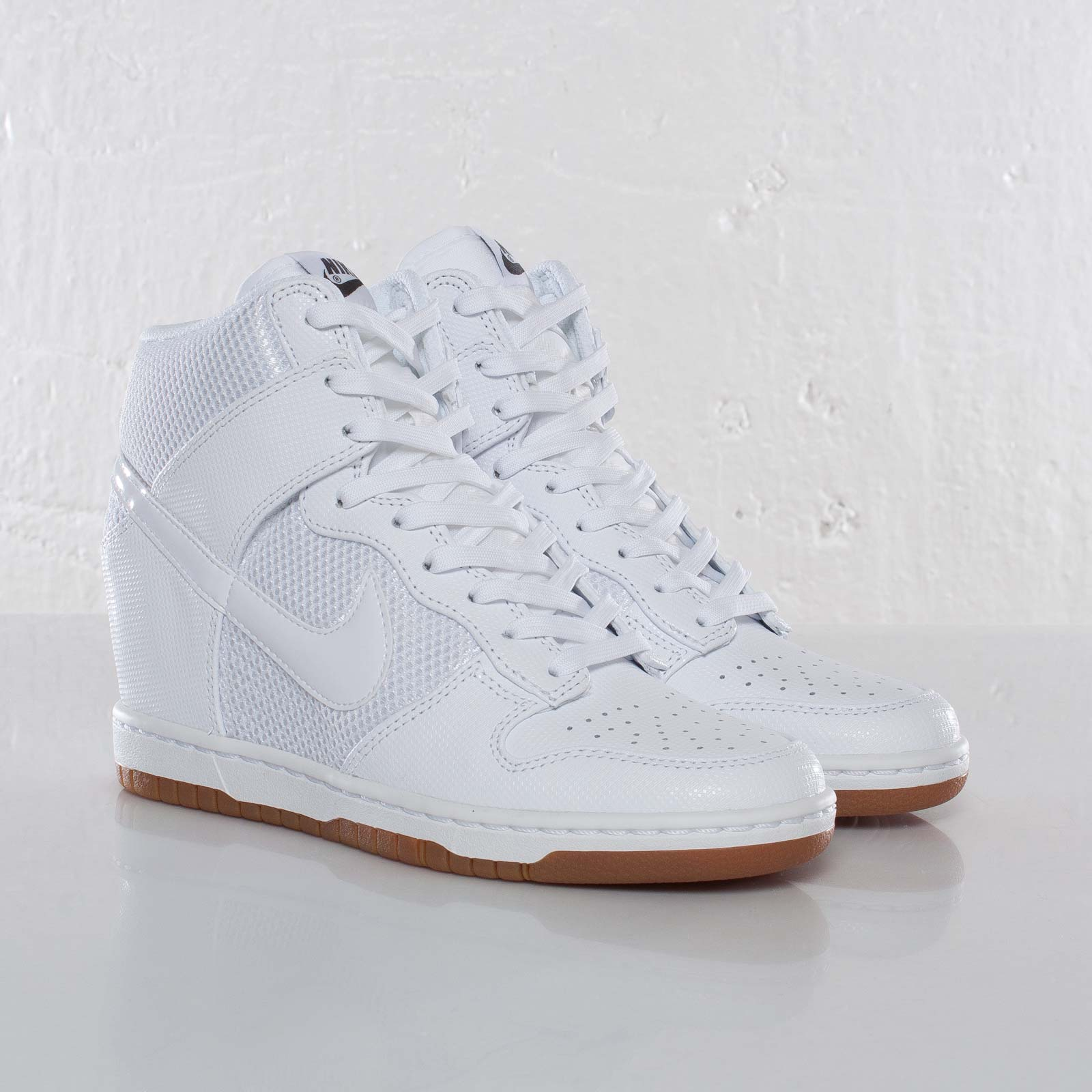 fba1d7c908a9 ... amazon nike wmns dunk sky hi mesh 1c7be 12225