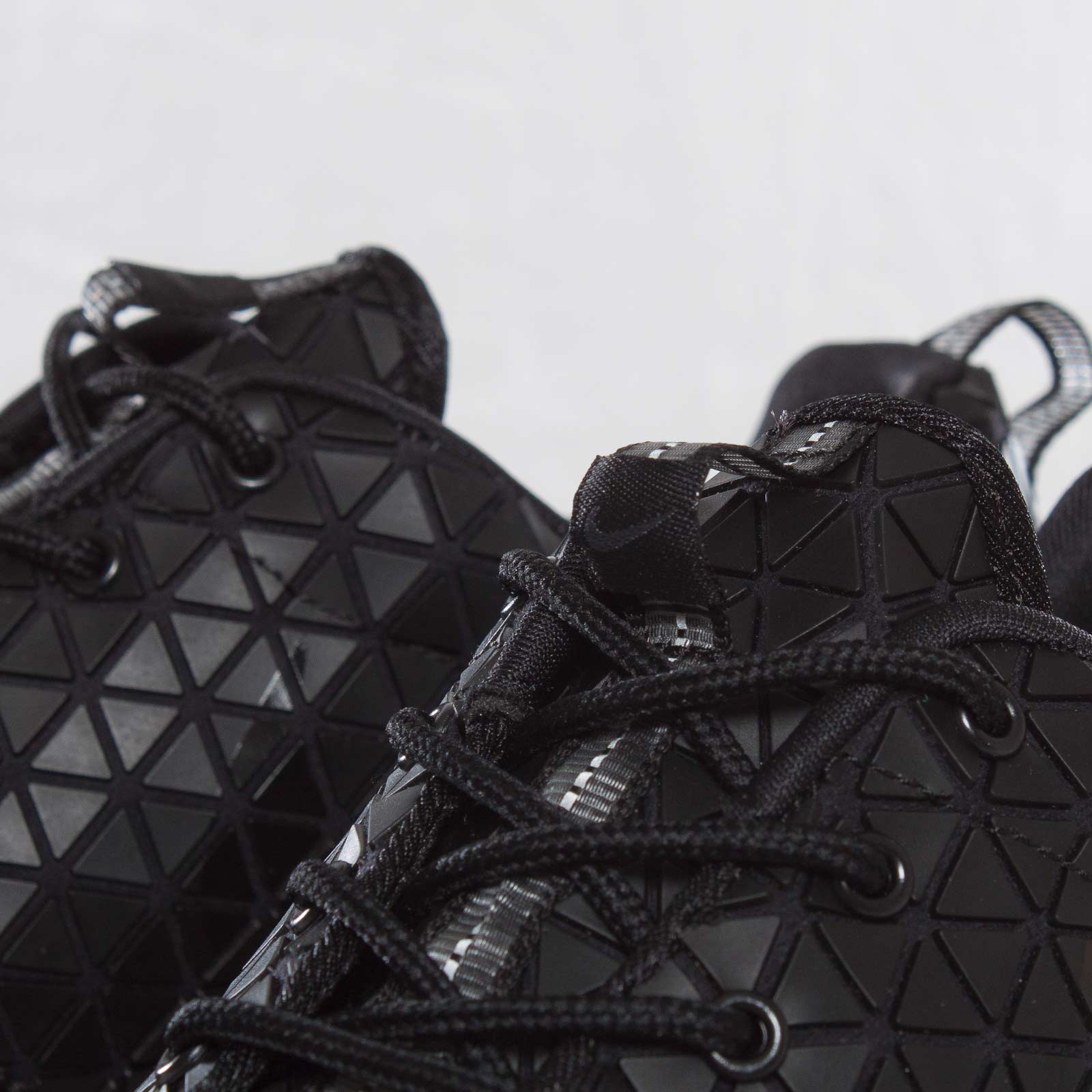 a758cec05064c Nike Wmns Roshe Run Metric QS - 607284-001 - Sneakersnstuff ...
