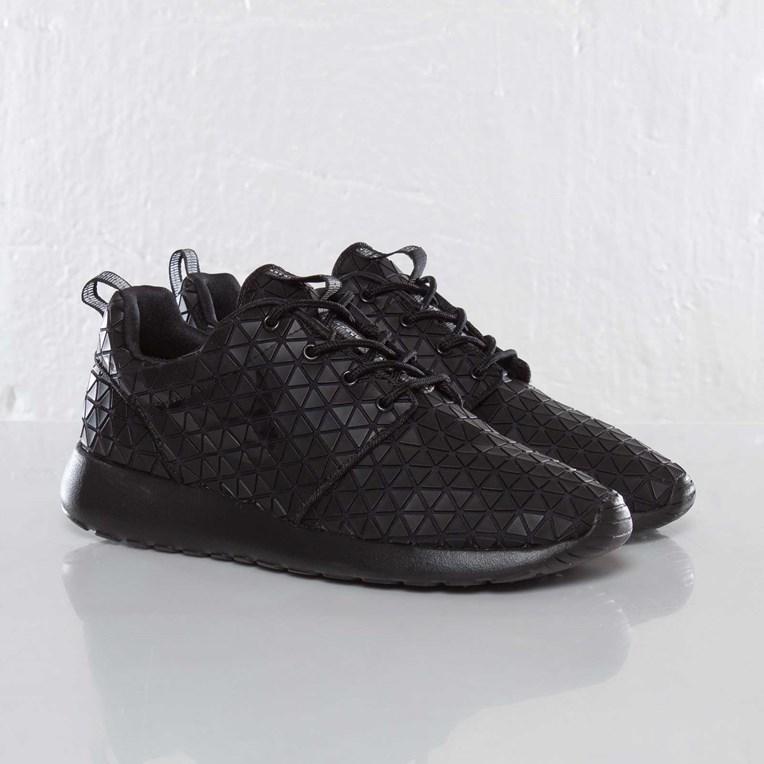 516662107c59e Nike Wmns Roshe Run Metric QS - 607284-001 - Sneakersnstuff ...