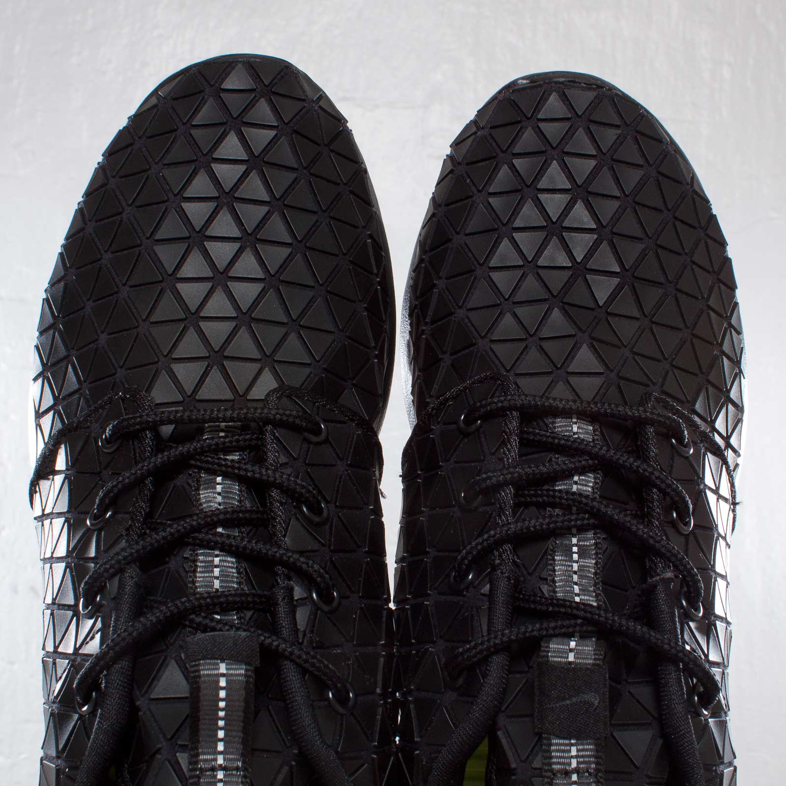 new arrival 7381d 1c523 Nike Wmns Roshe Run Metric QS - 607284-001 - Sneakersnstuff   sneakers    streetwear online since 1999