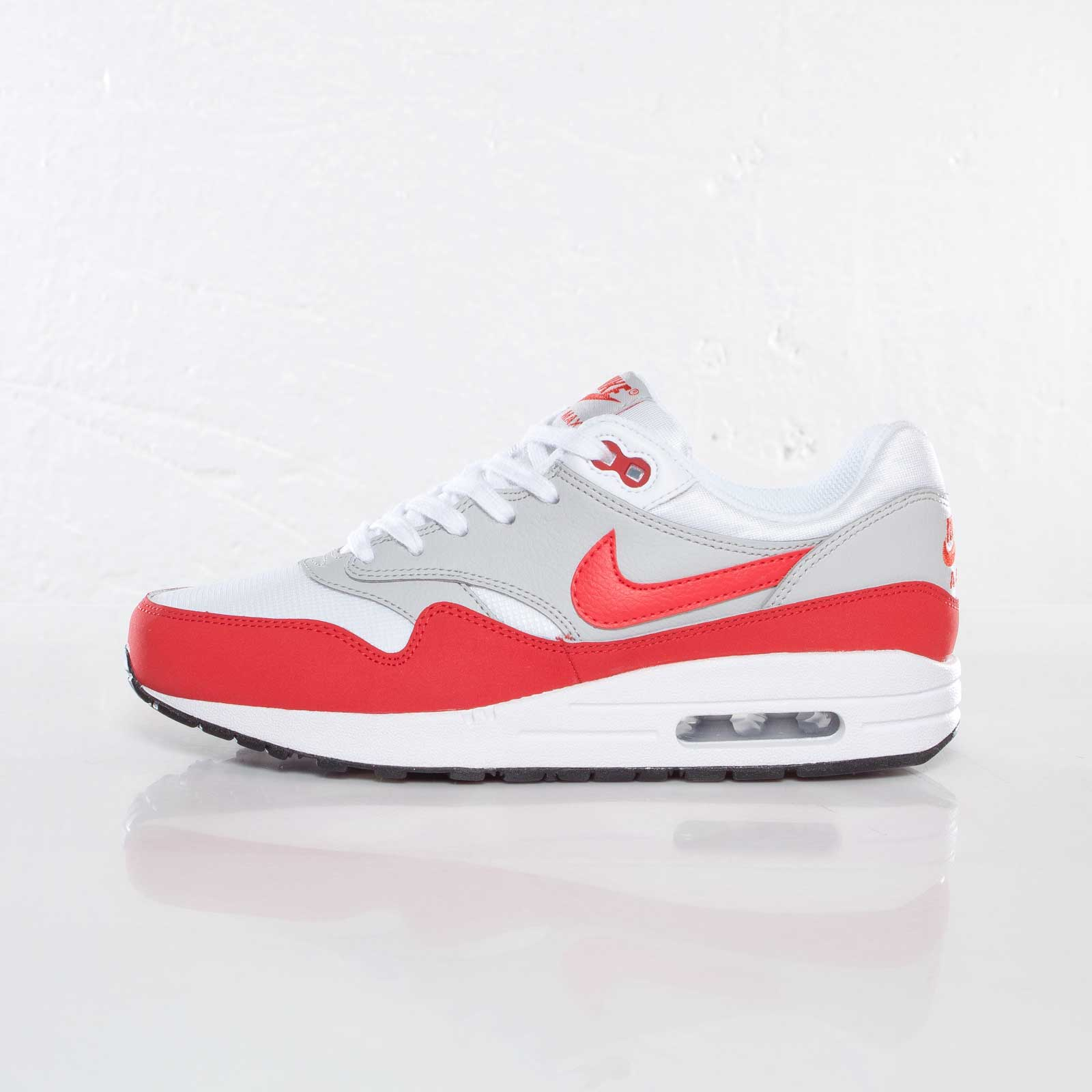 info for 6609e bbc98 Nike Air Max 1 (GS) - 555766-101 - Sneakersnstuff   sneakers   streetwear  online since 1999