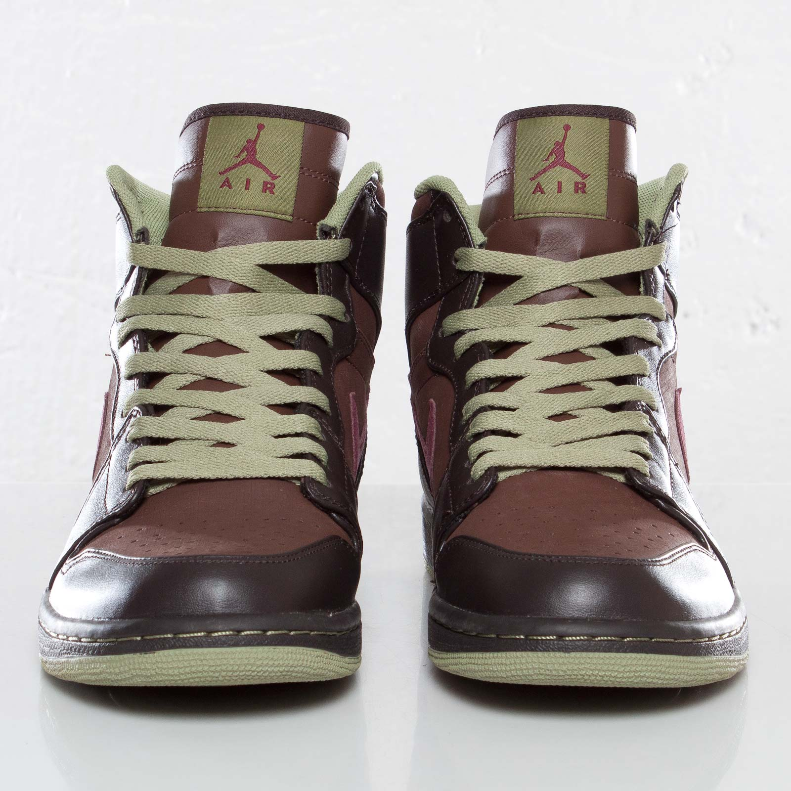 5fd1f14baa6aac Jordan Brand Air Jordan 1 Retro High - 332550-201 - Sneakersnstuff ...