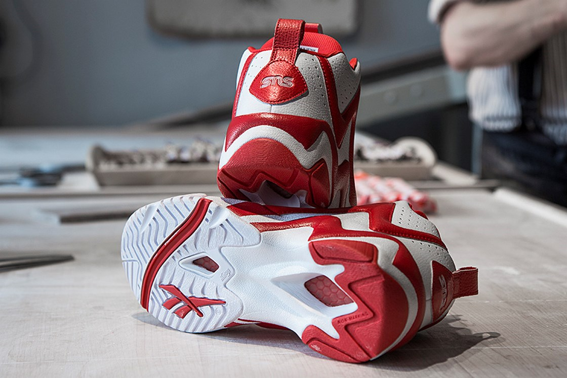 c445c5bbb864 Reebok Kamikaze II Mid - V48561 - Sneakersnstuff