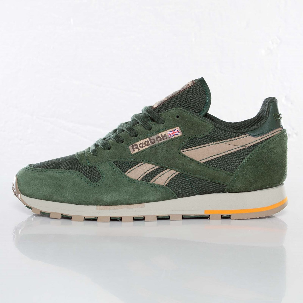 low cost 80fd3 fcf0a Reebok Classic Leather Utility - V47282 - Sneakersnstuff ...
