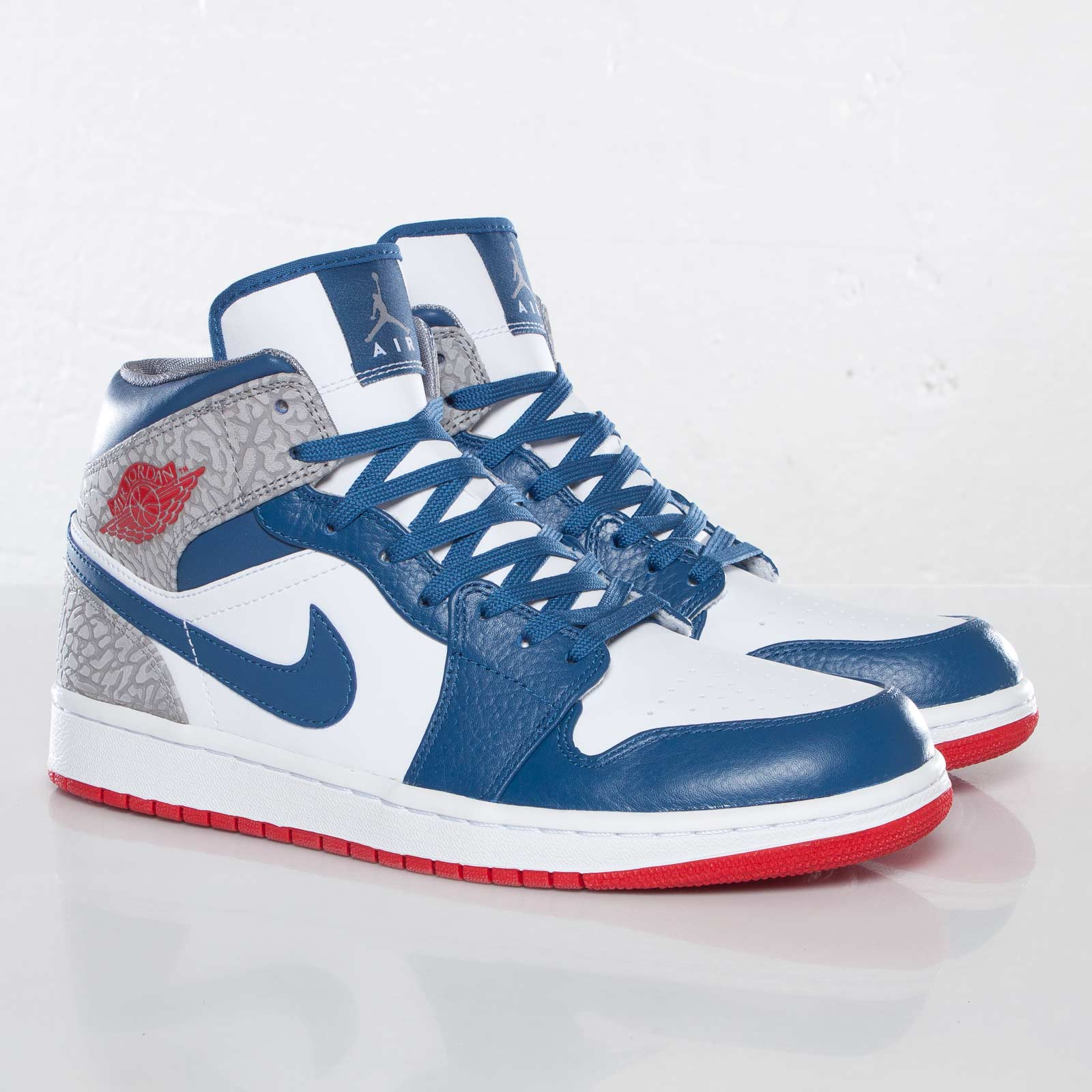 5e4c90197b82 Jordan Brand Air Jordan 1 Mid - 554724-107 - Sneakersnstuff ...