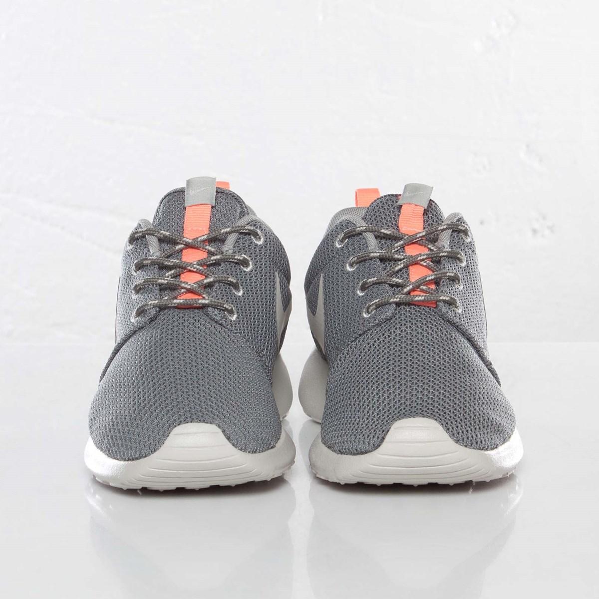 super popular 4a433 10555 Nike Wmns Rosherun - 511882-005 - Sneakersnstuff   sneakers   streetwear  online since 1999