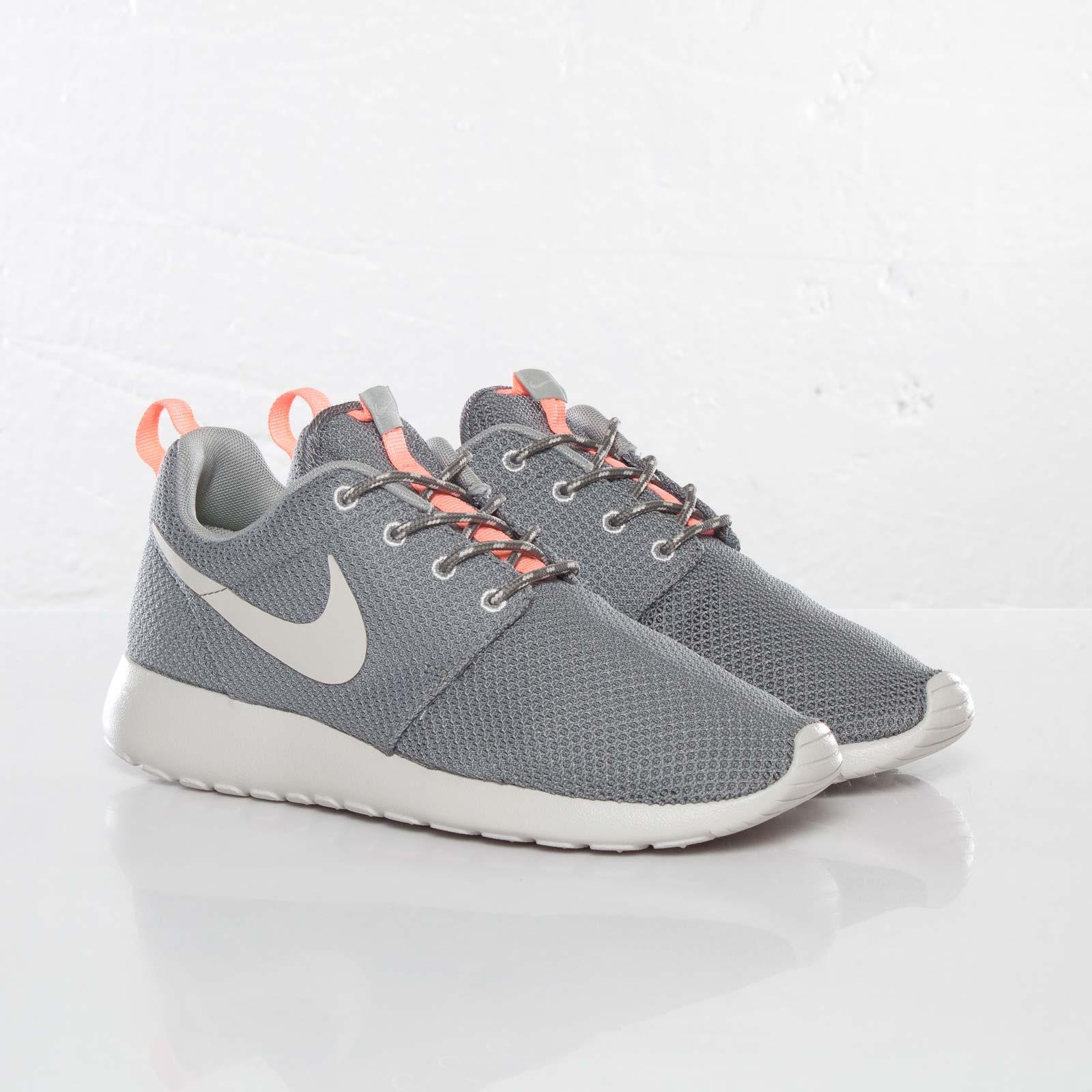 buy online 3fd60 487e1 Nike Wmns Rosherun