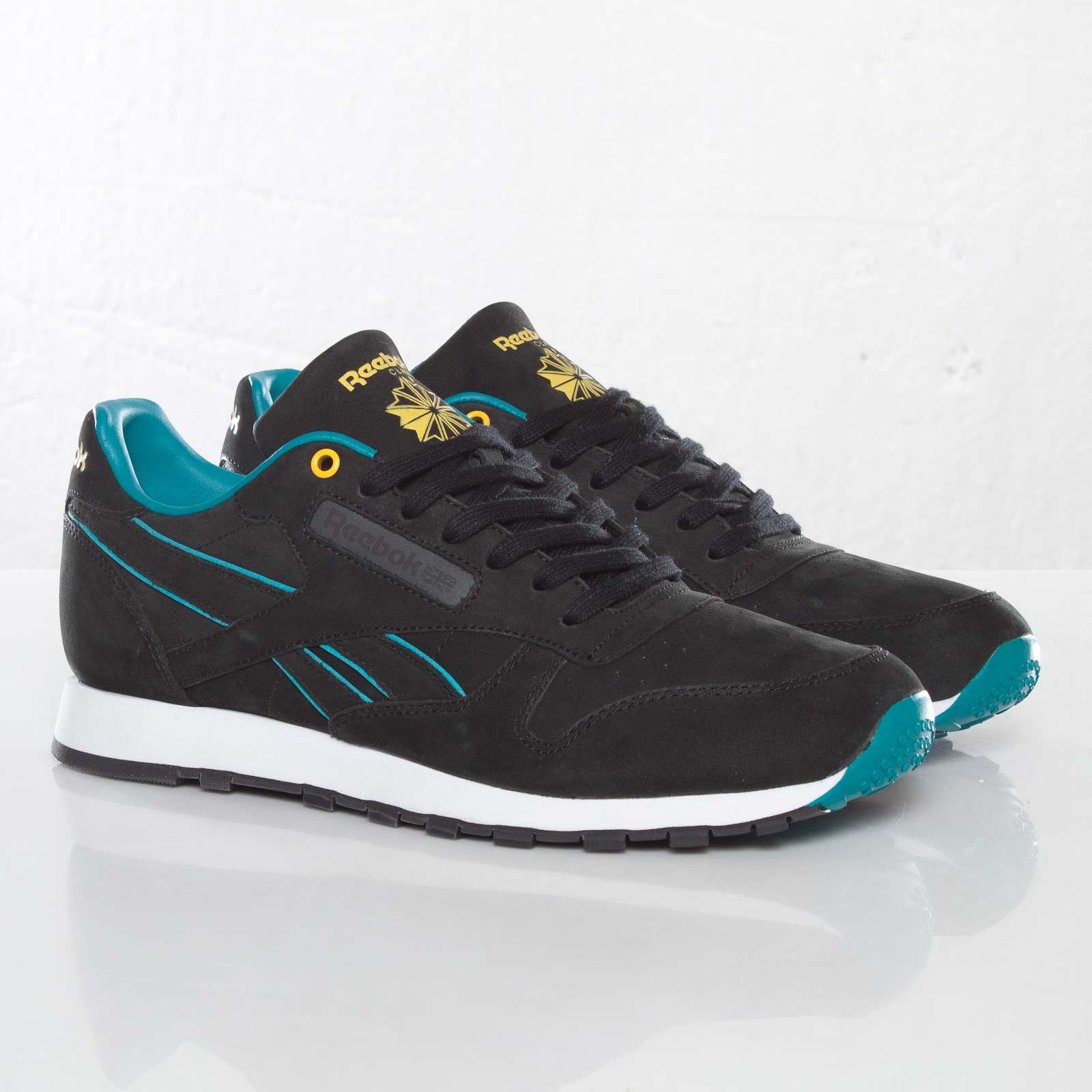 official photos 769c8 3eee4 Reebok Classic Leather Lux