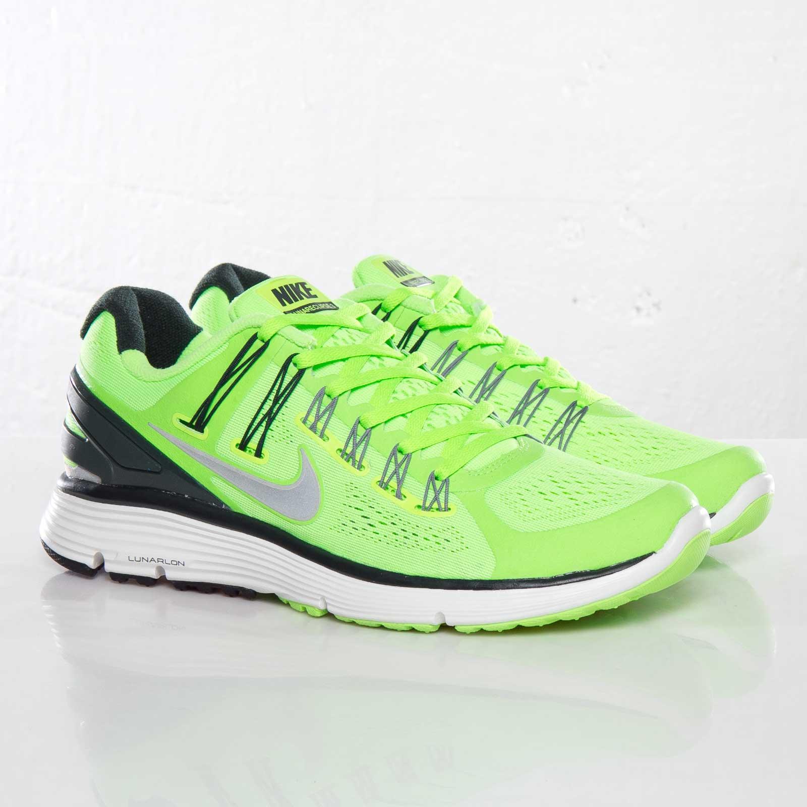 Nike Lunareclipse +3 - 555337-303