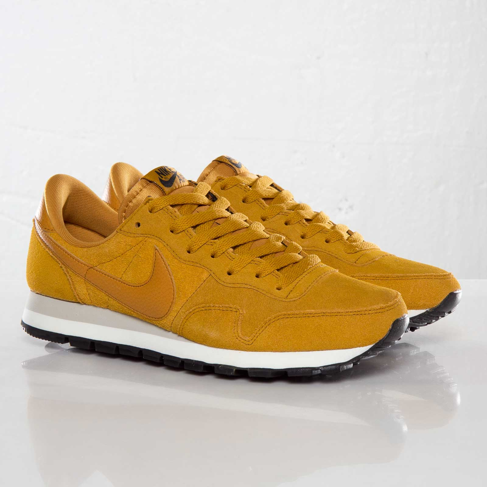 best sneakers 4ec7d 6cccb Nike Air Pegasus 83 Suede