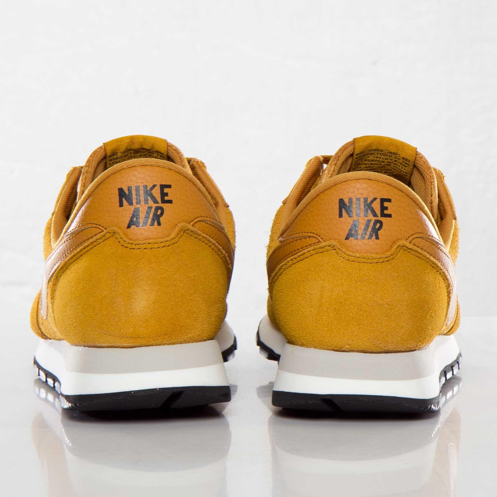 Trasplante tornado Excéntrico  Nike Air Pegasus 83 Suede - 599129-770 - Sneakersnstuff   sneakers &  streetwear online since 1999