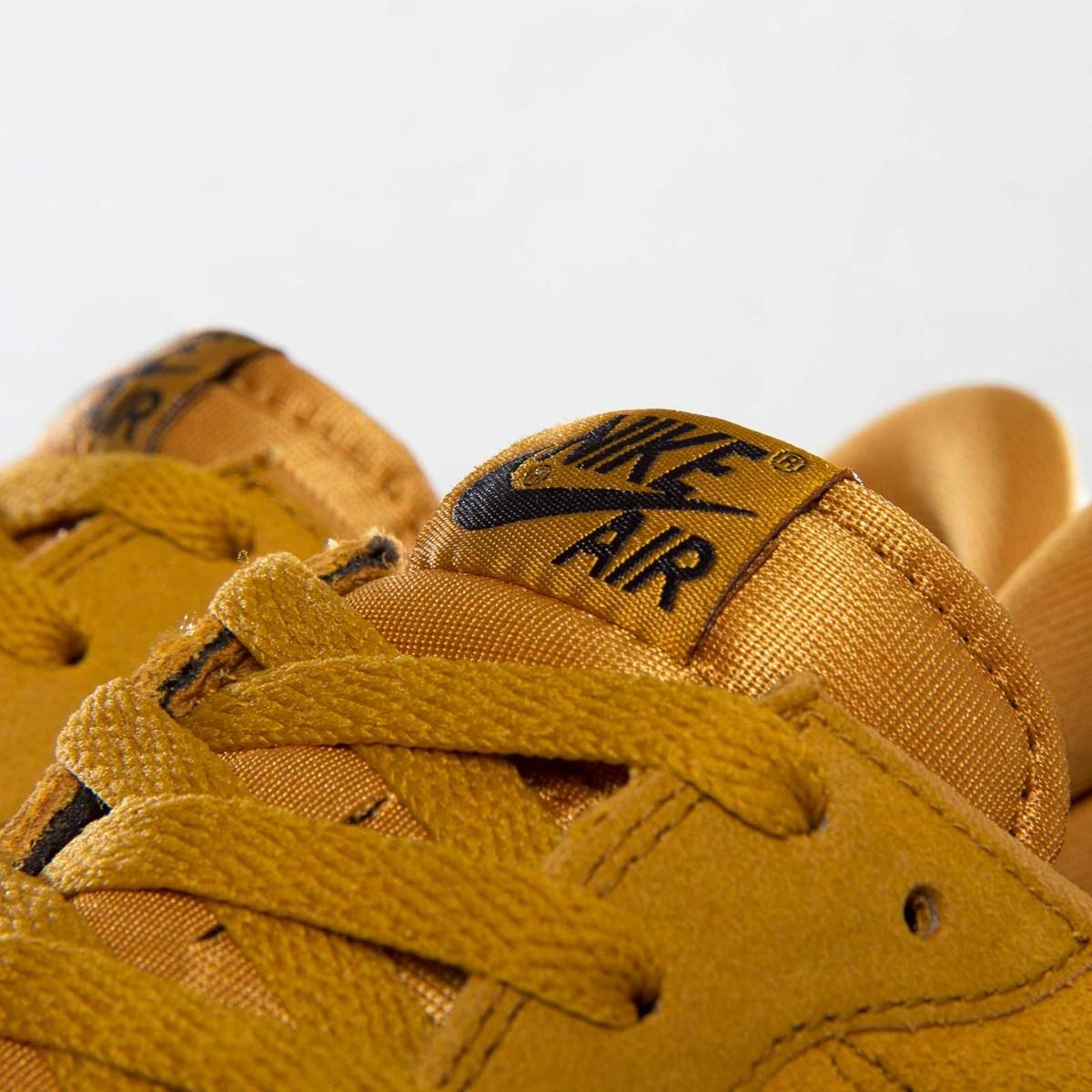 f09dc6e59db28 Nike Air Pegasus 83 Suede - 599129-770 - Sneakersnstuff