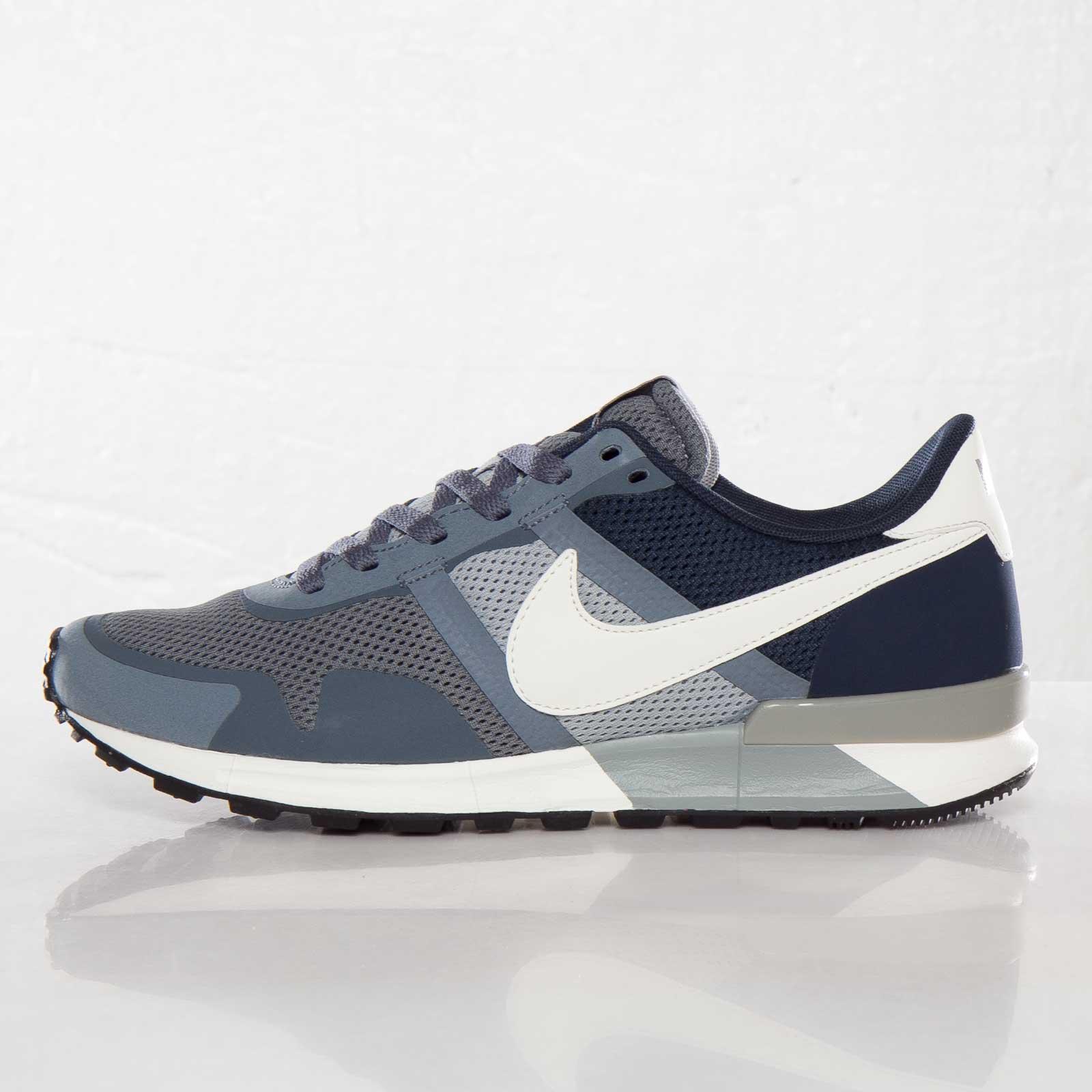 Escuela de posgrado palma Oscurecer  Nike Air Pegasus 83/30 - 599482-410 - Sneakersnstuff | sneakers &  streetwear online since 1999