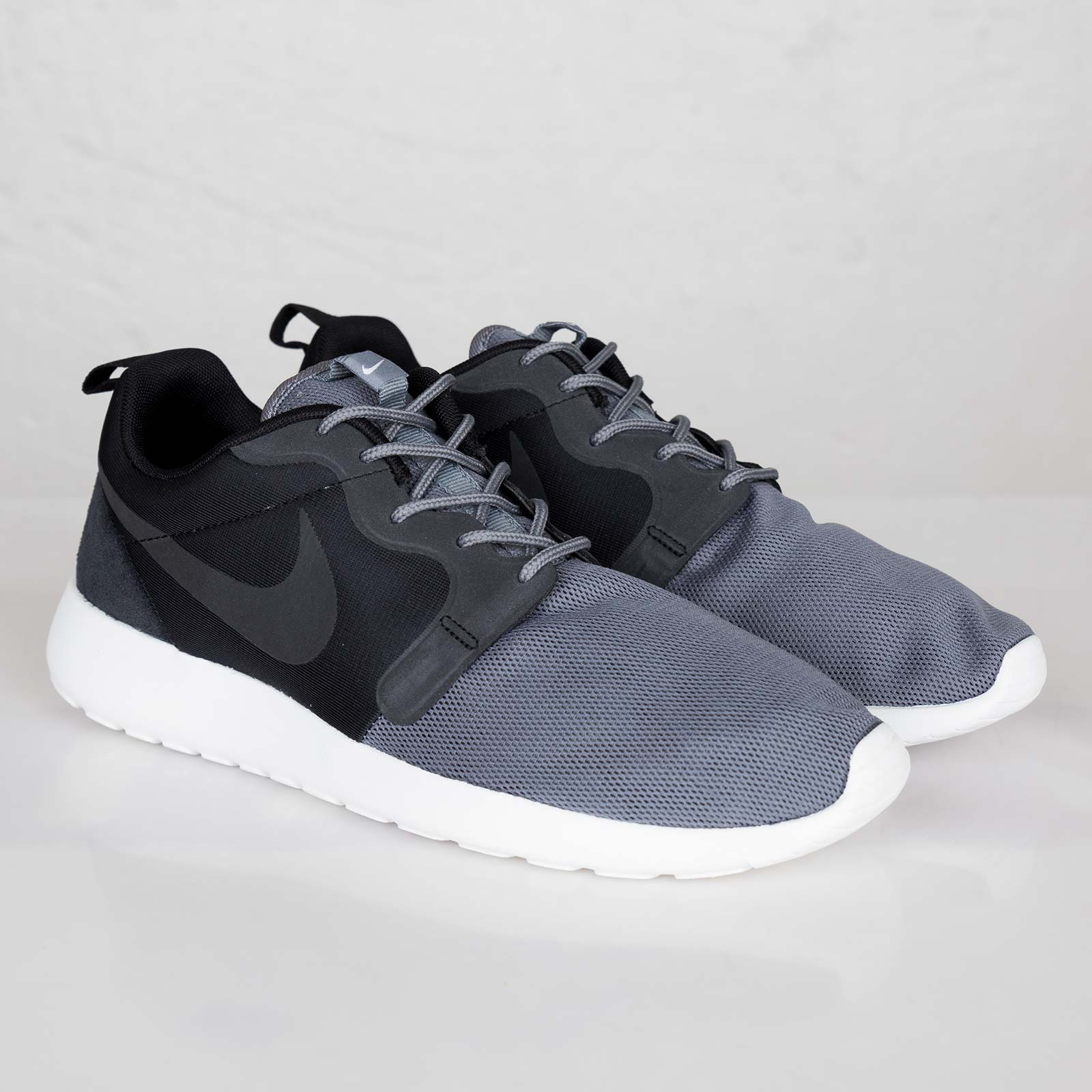 Nike Rosherun Hyperfuse QS Black & Cool Grey